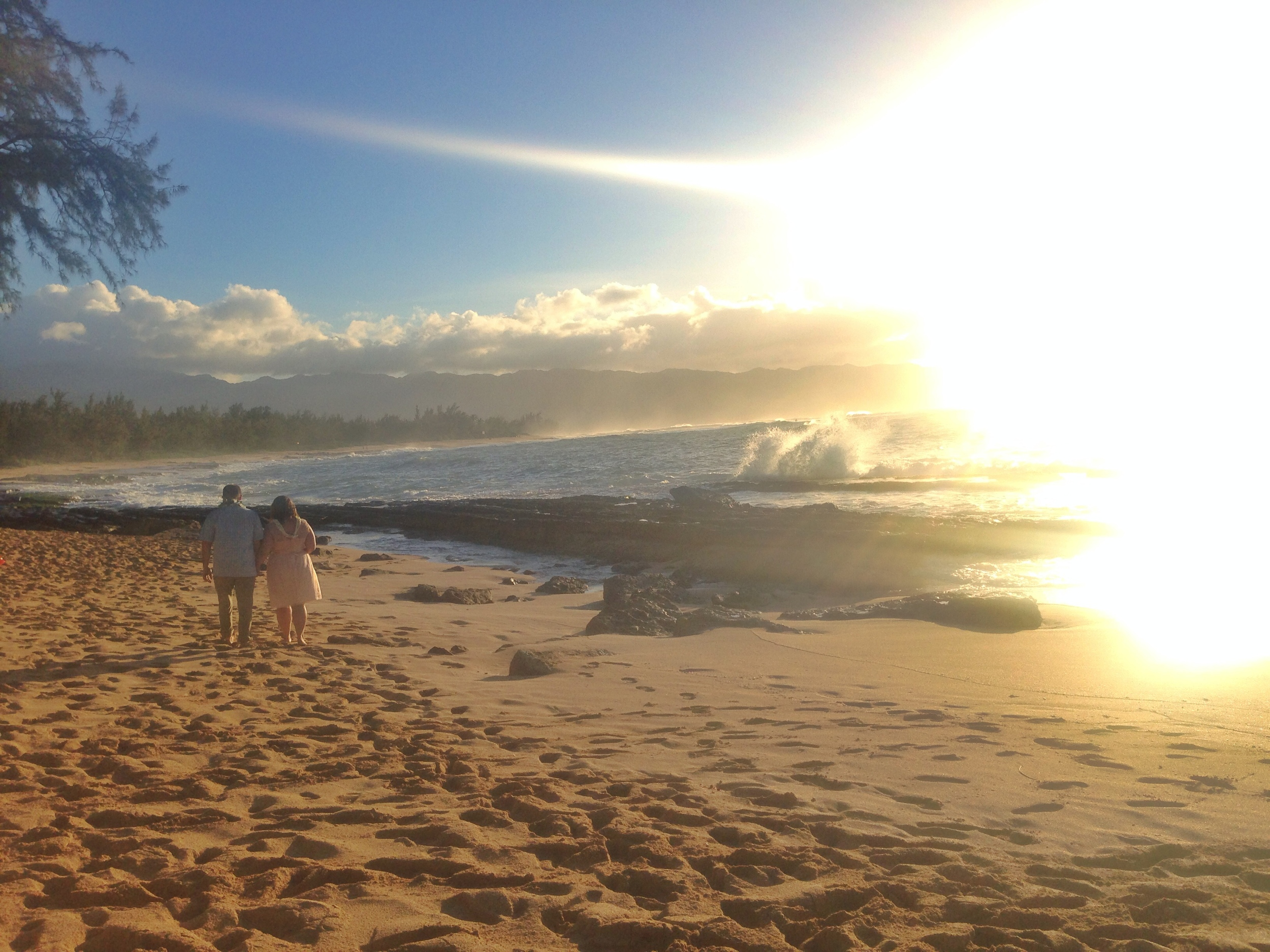 jacqueline-caleb-sunset-hawaii-wedding