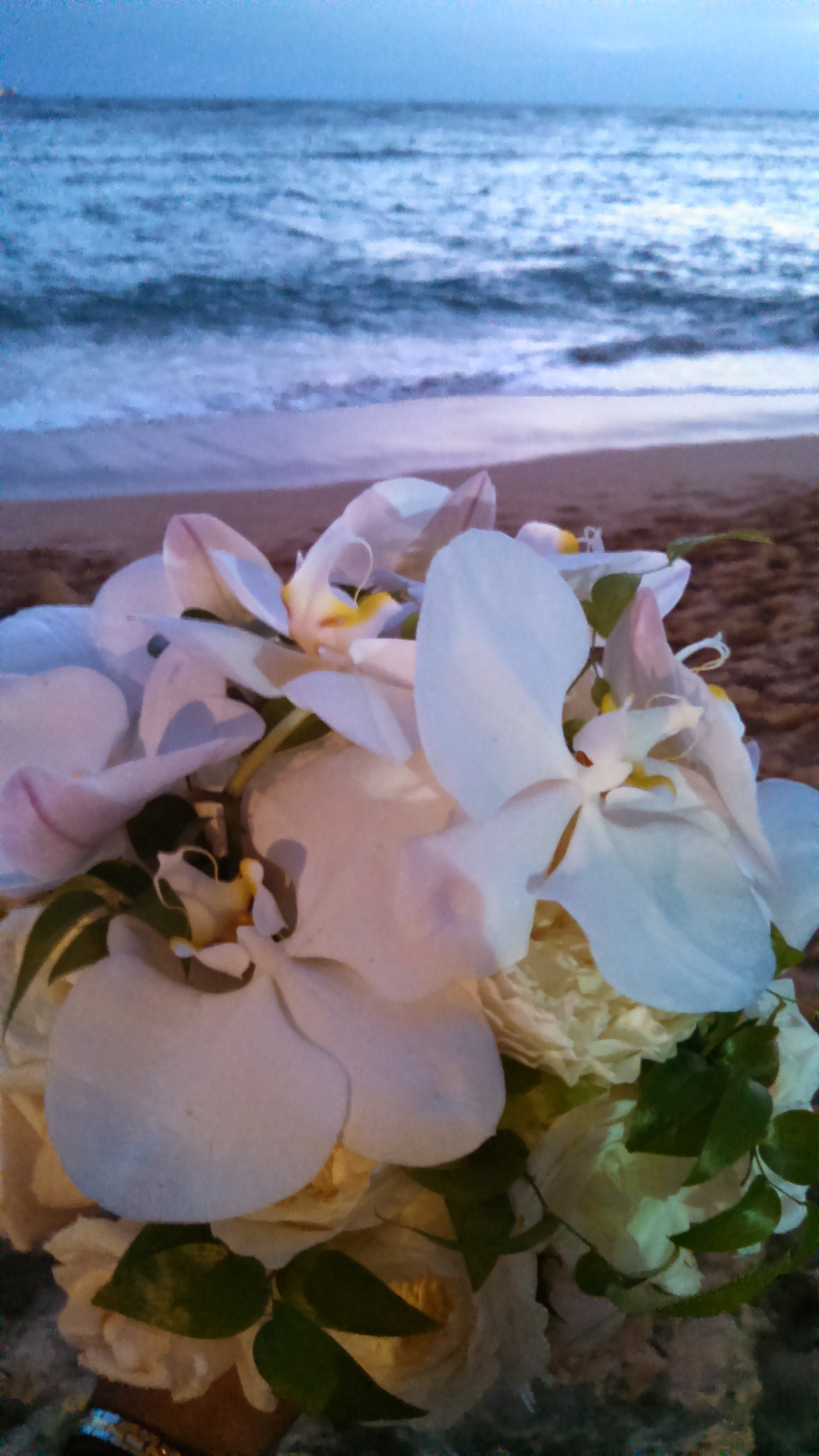 20-waikiki-sunset-wedding.jpg