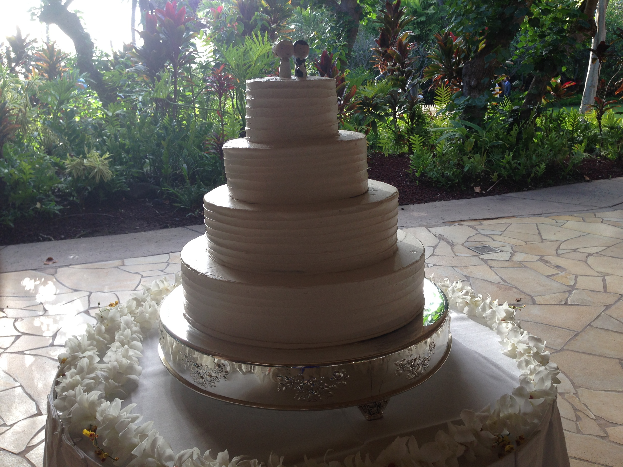 12-wedding-cake-hale-koa.JPG