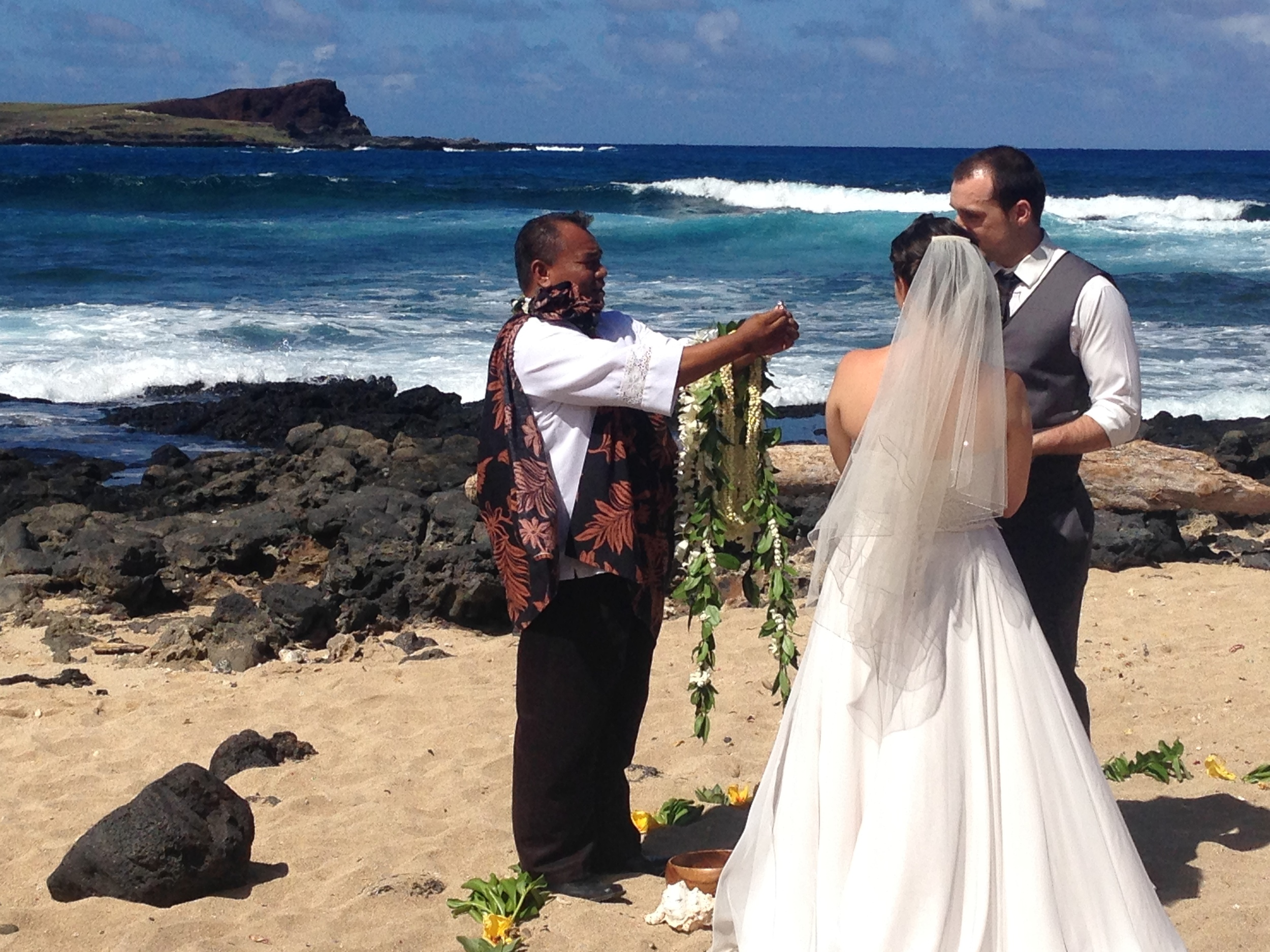 12-makapuu-beach-ceremony-3.JPG