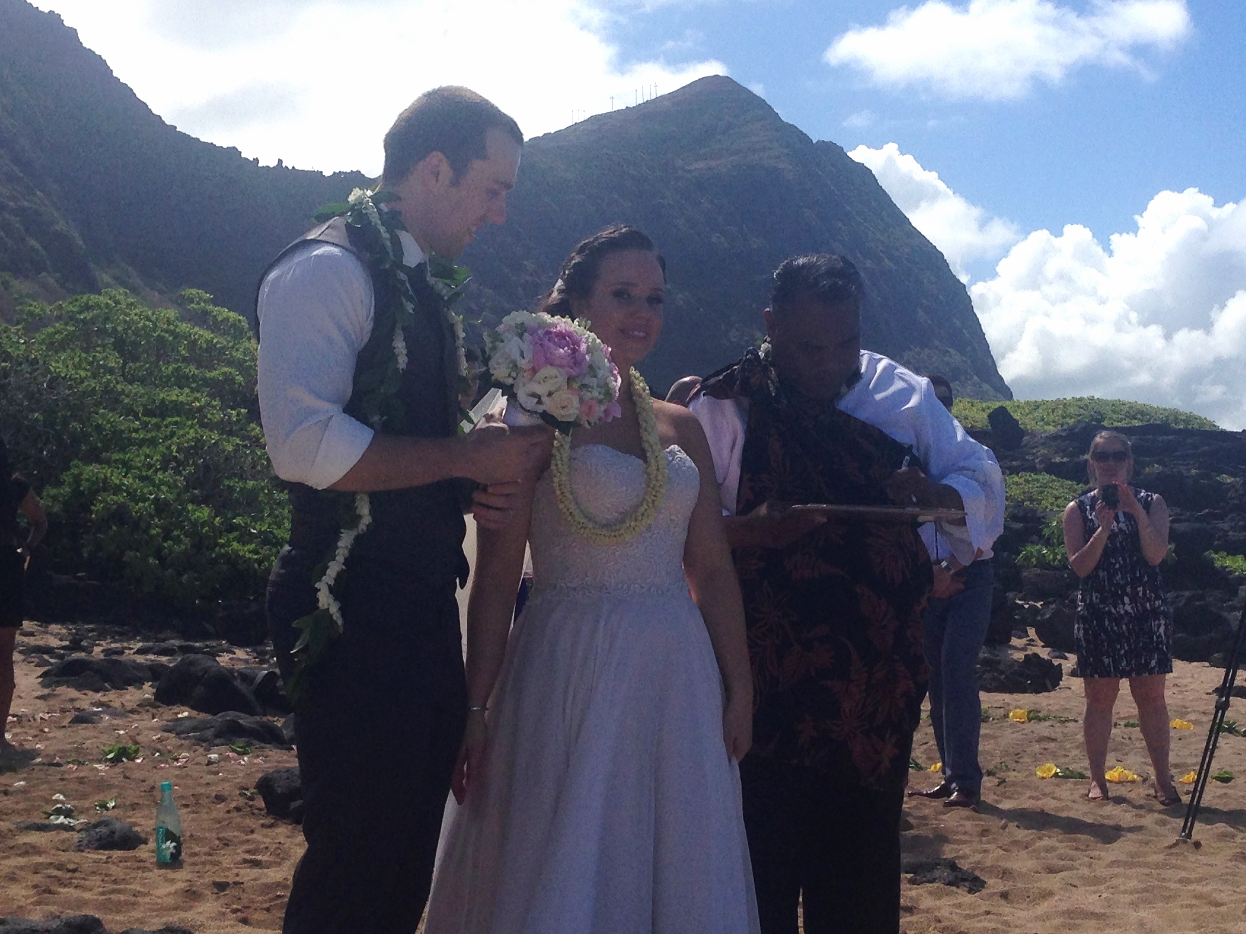 19-oahu-beach-wedding-1.JPG