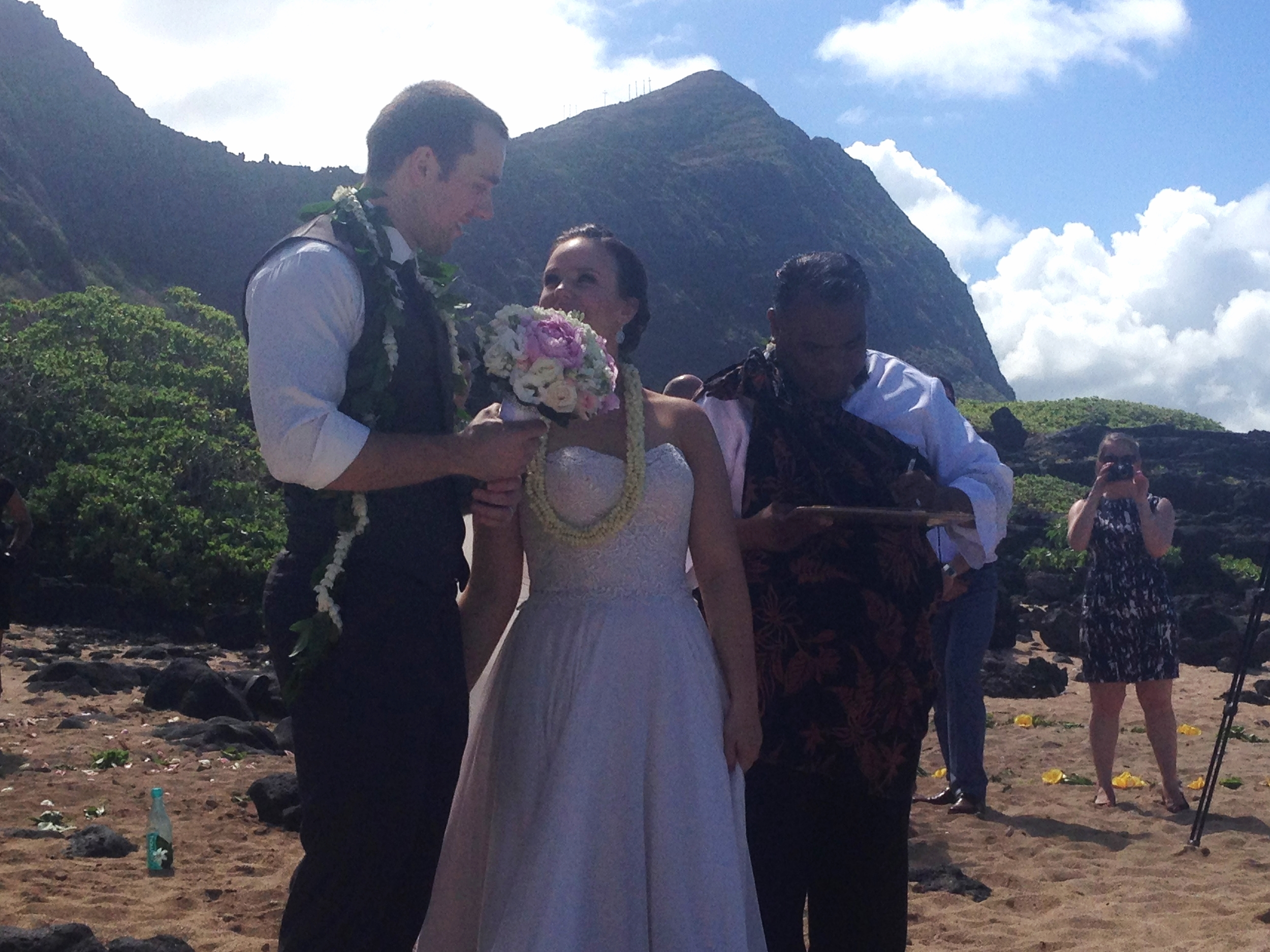 20-oahu-beach-wedding-2.JPG