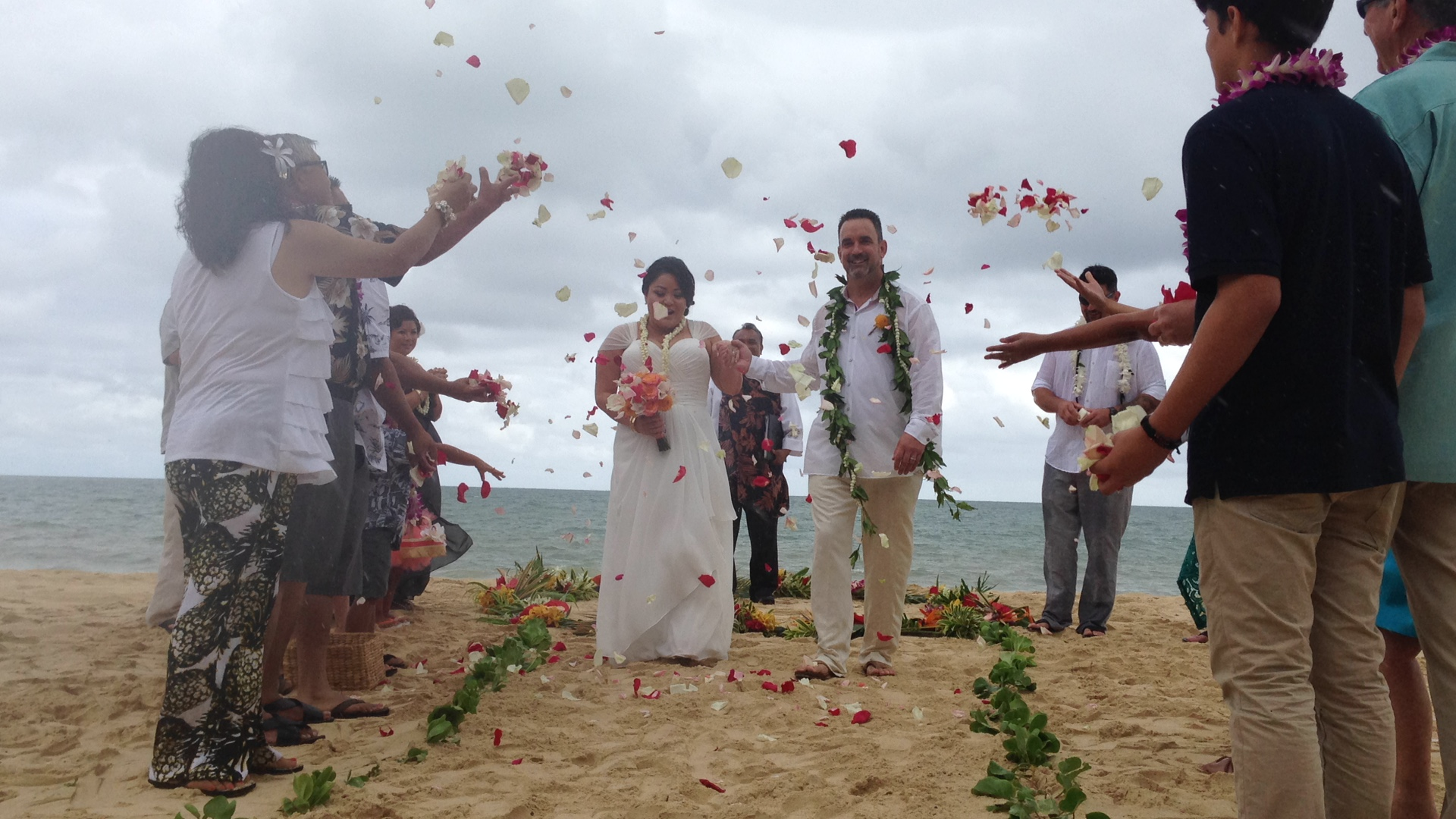 7-waimanalo-beach-ceremony.JPG
