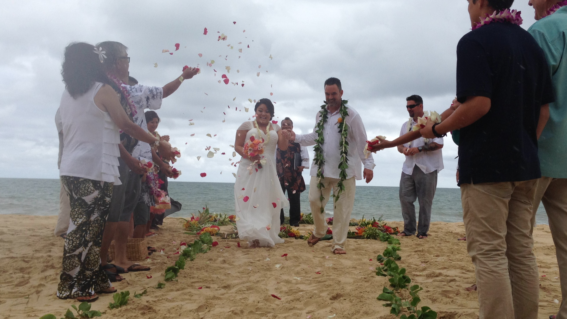 6-waimanalo-beach-ceremony.JPG