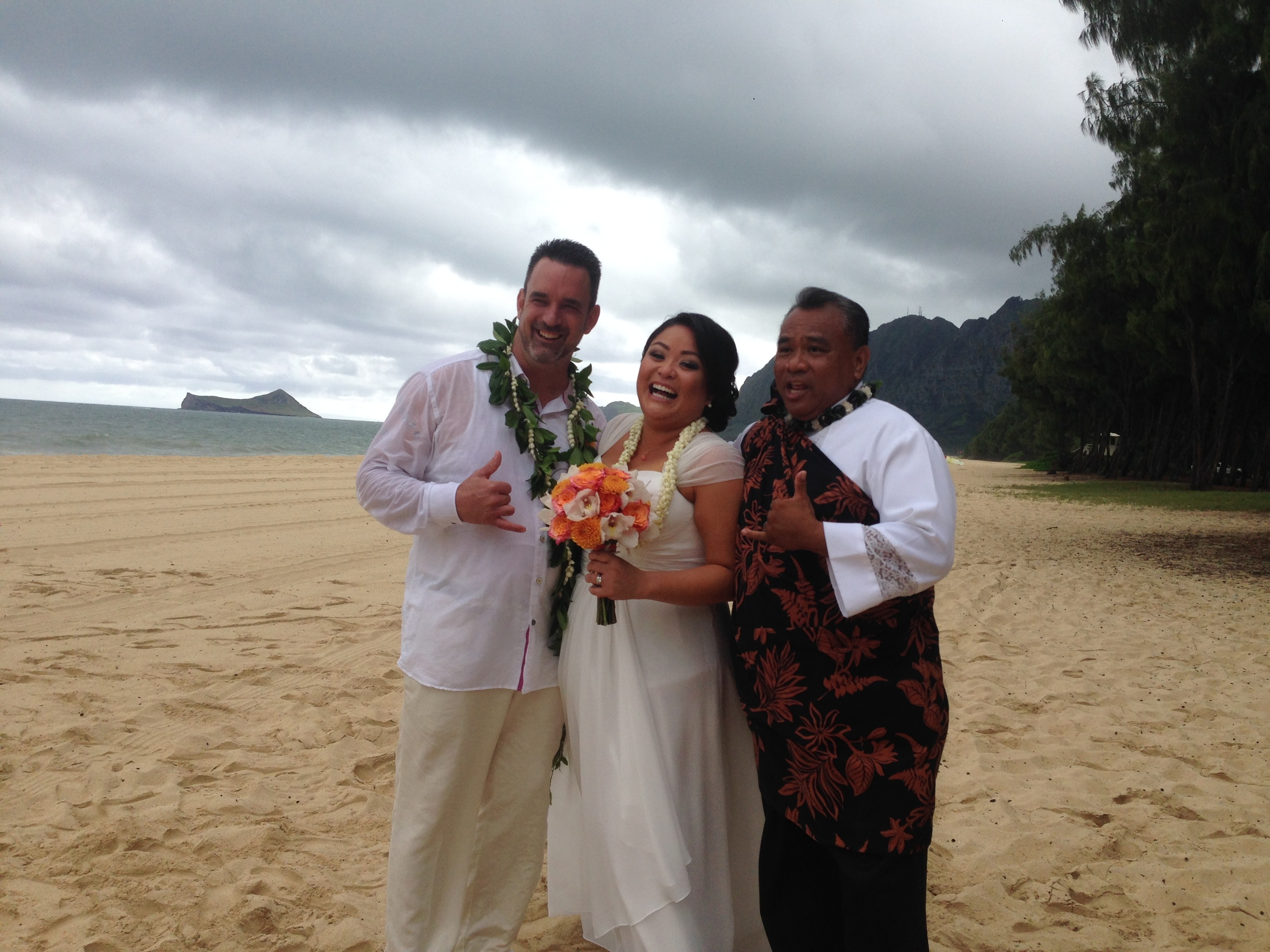 10-oahu-beach-wedding.JPG