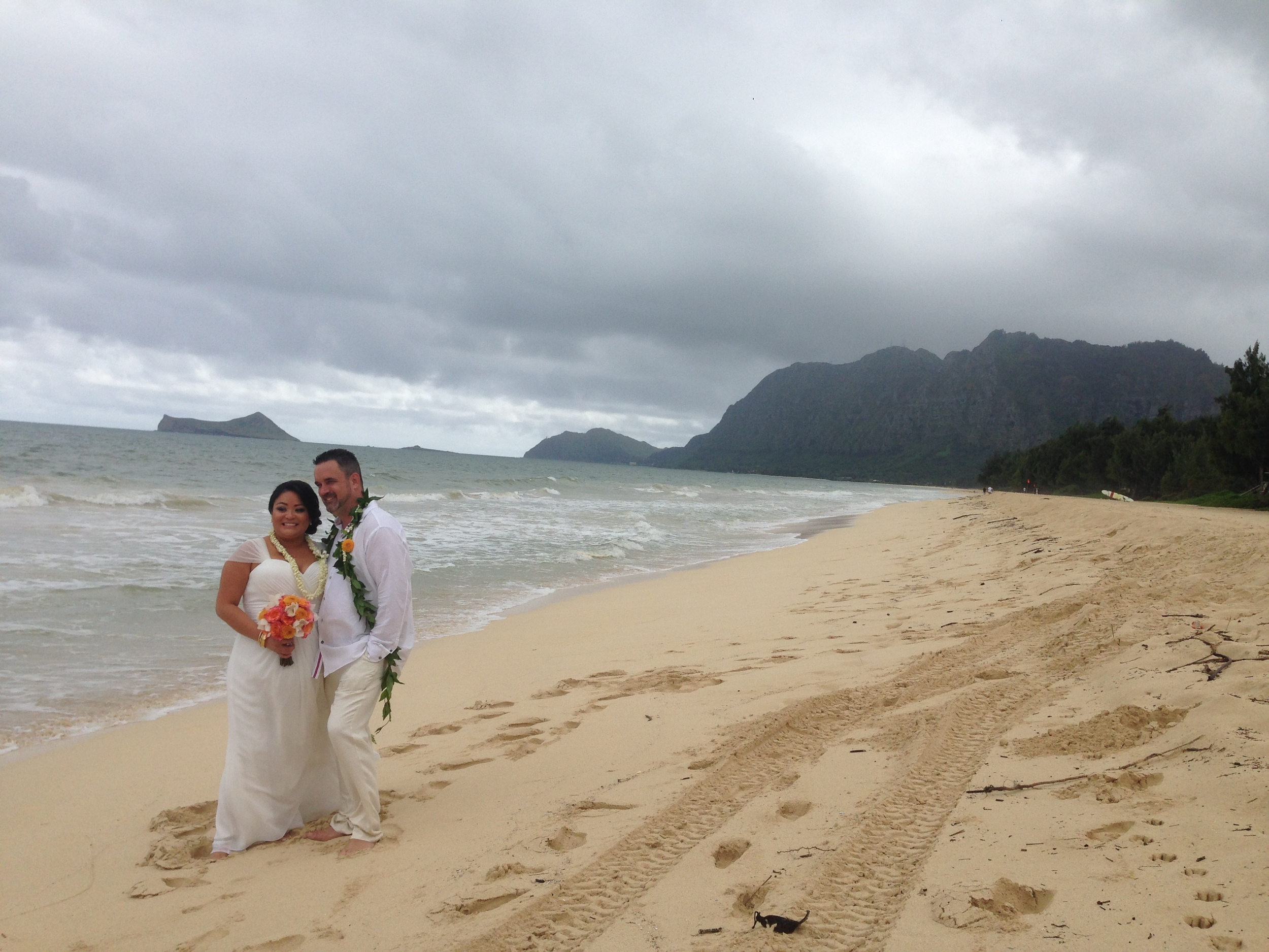 22-waimanalo-beach-wedding.JPG