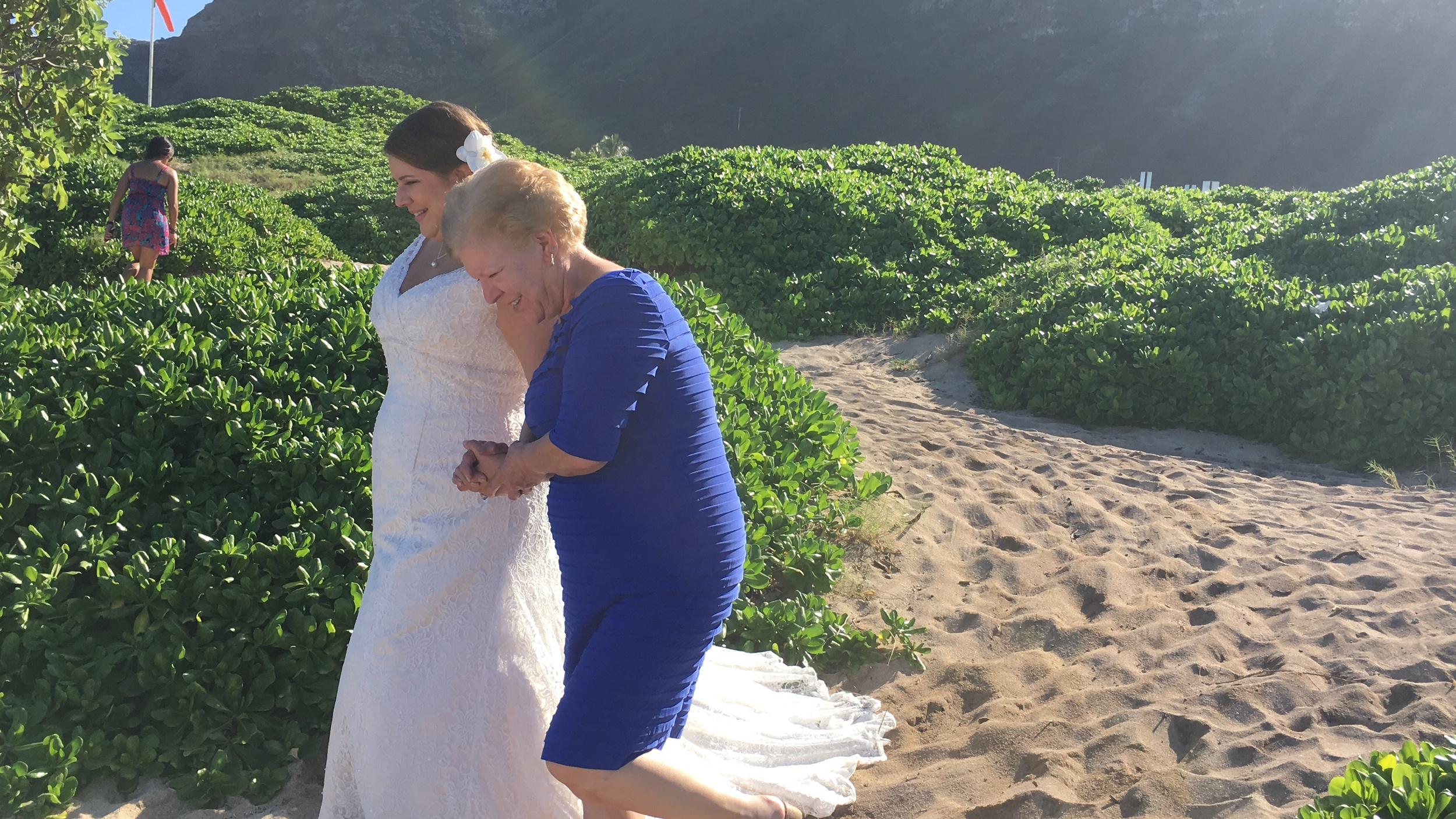 9-makapuu-beach-oahu-wedding.JPG