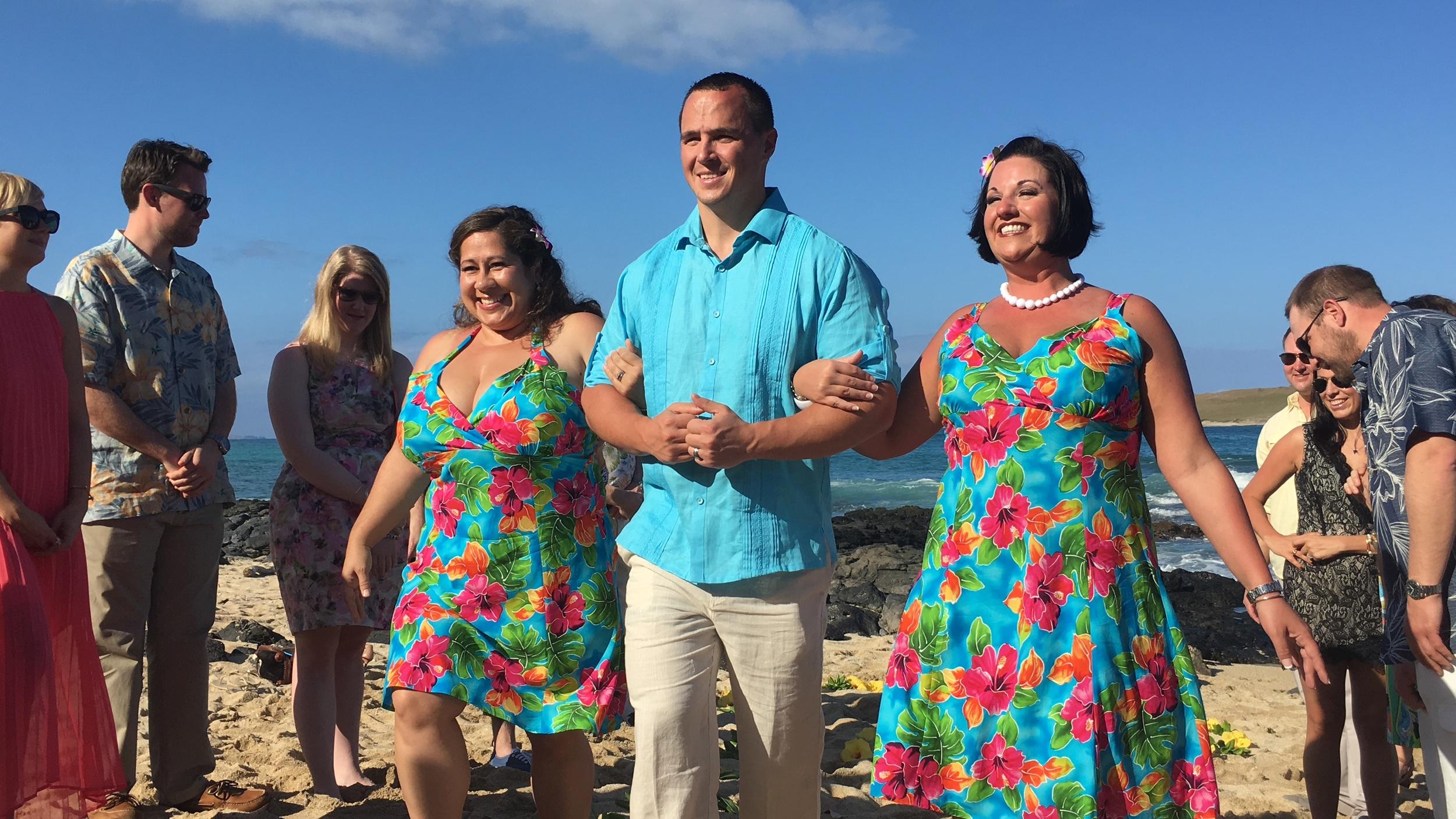 26-small-hawaii-beach-wedding.JPG