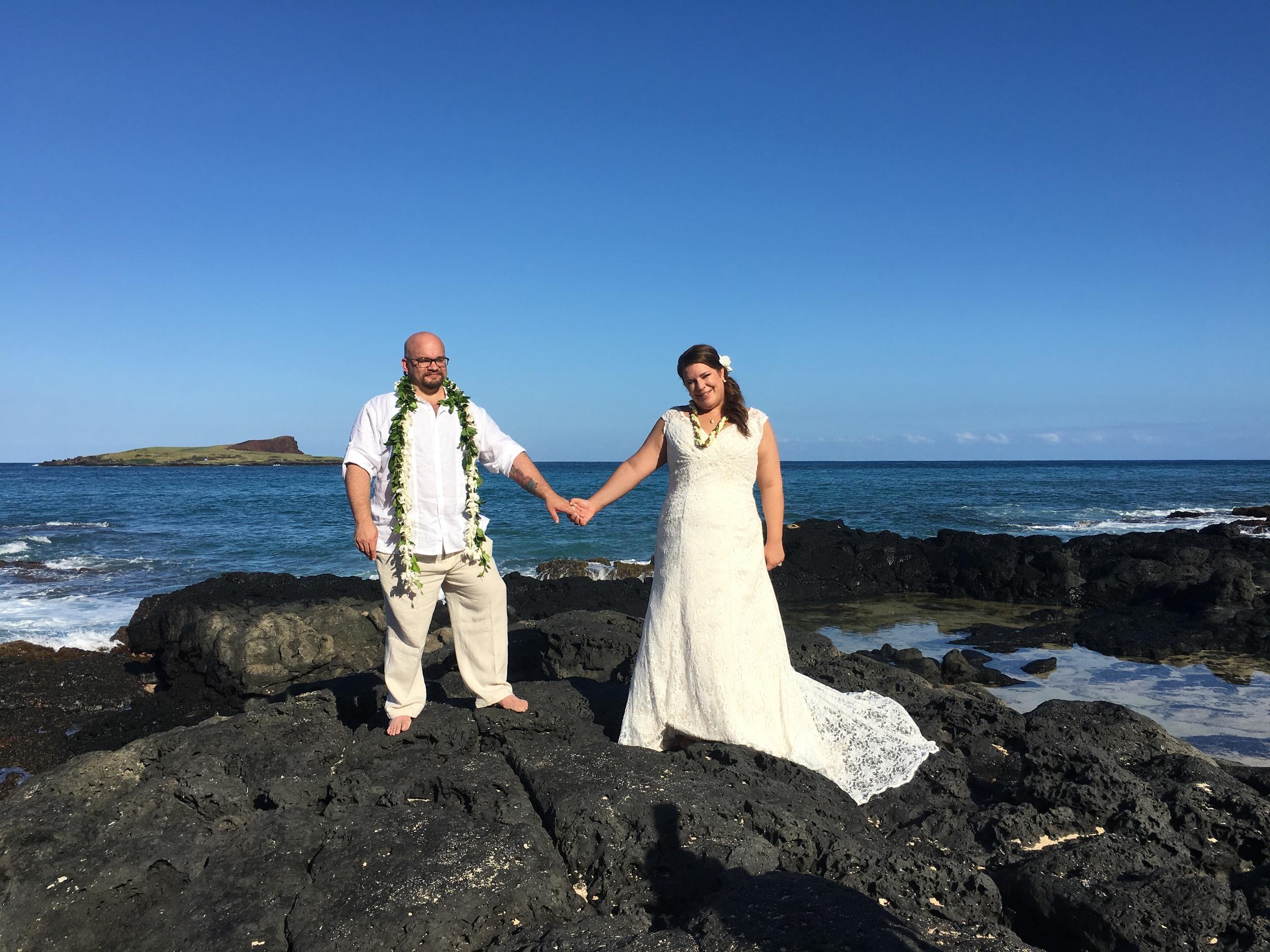 37-small-hawaii-beach-wedding.JPG