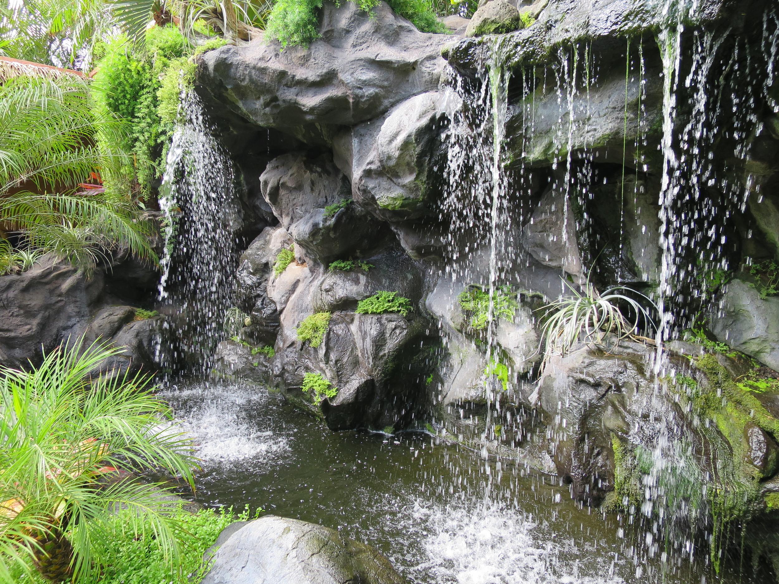 oahu-waterfall