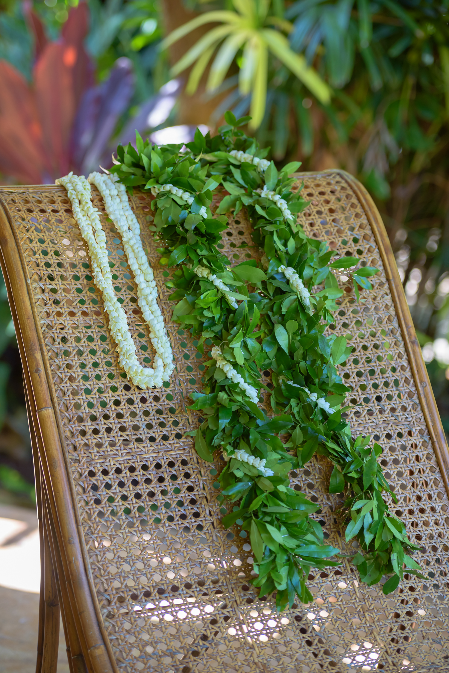 hawaii-wedding-leis