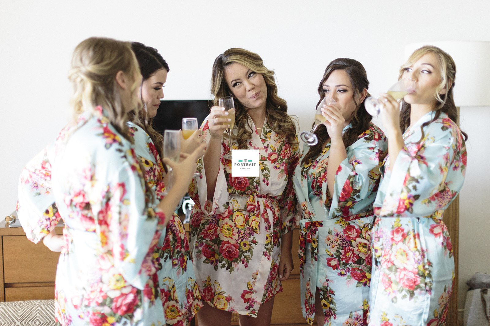 14-hawaii-bridal-party.jpg