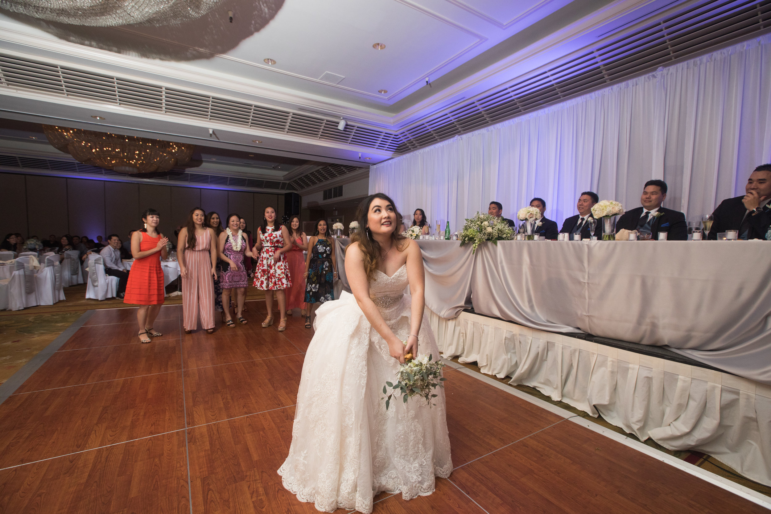 42-waikiki-hotel-wedding.jpg
