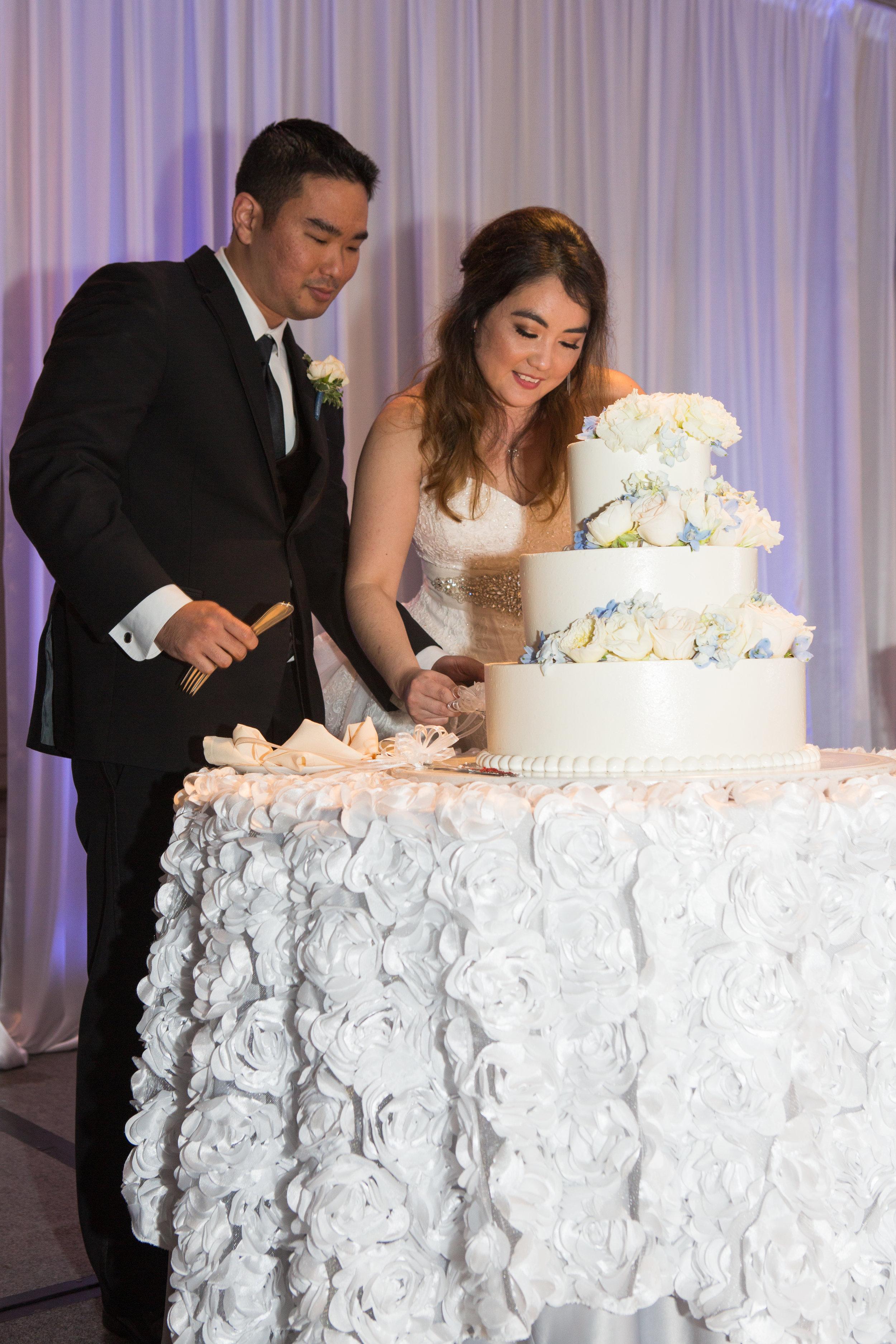 40-waikiki-hotel-wedding.jpg