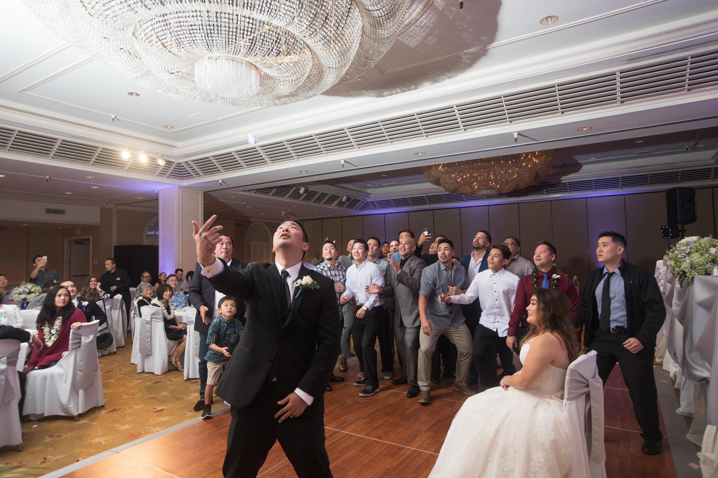 45-waikiki-hyatt-regency-hotel-wedding.jpg
