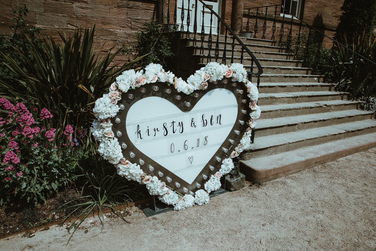 Newton Hall Wedding Photographer-3.jpg