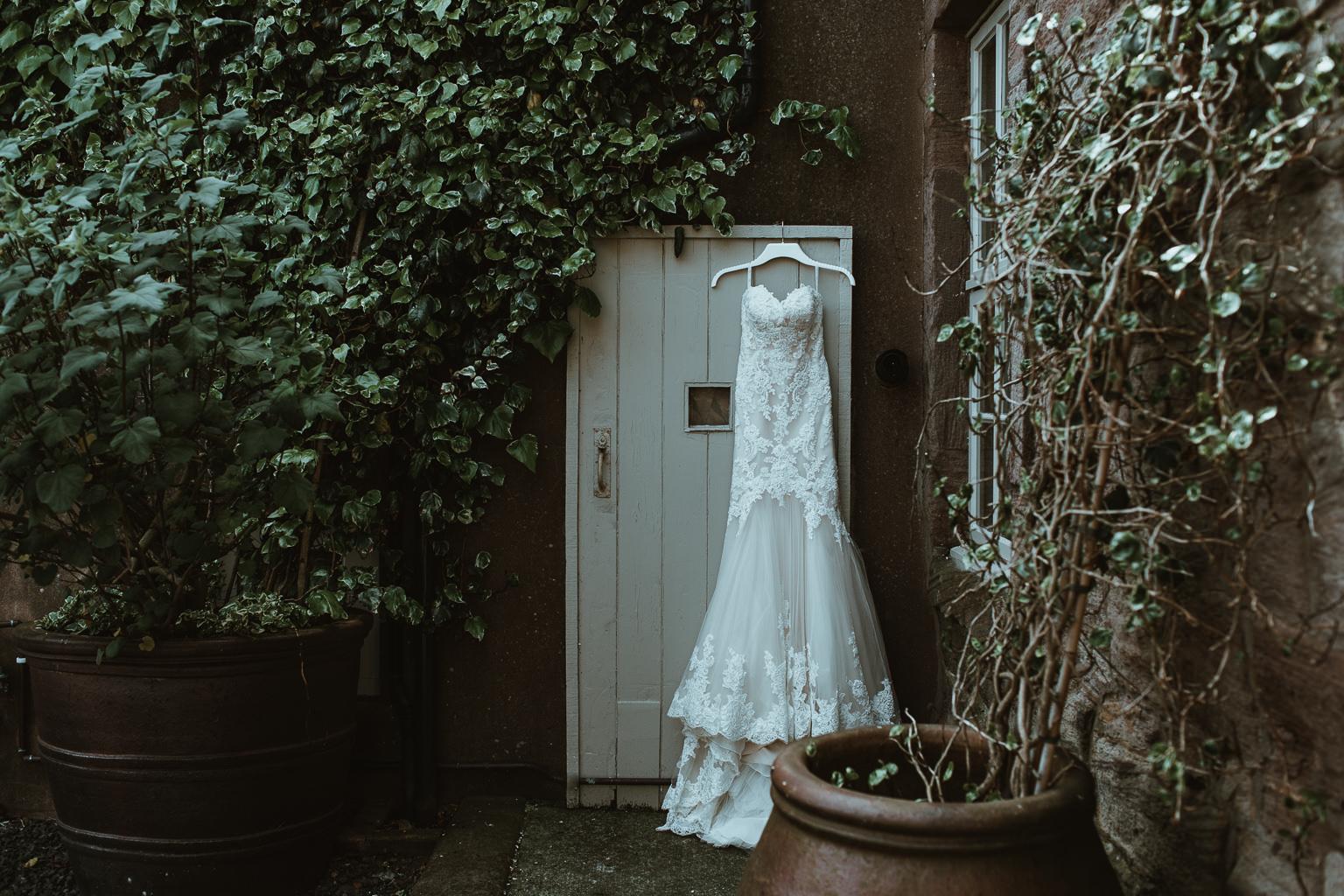 Newton Hall Wedding Photographer-9.jpg