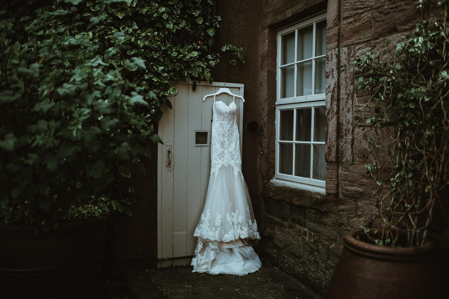 Newton Hall Wedding Photographer-10.jpg