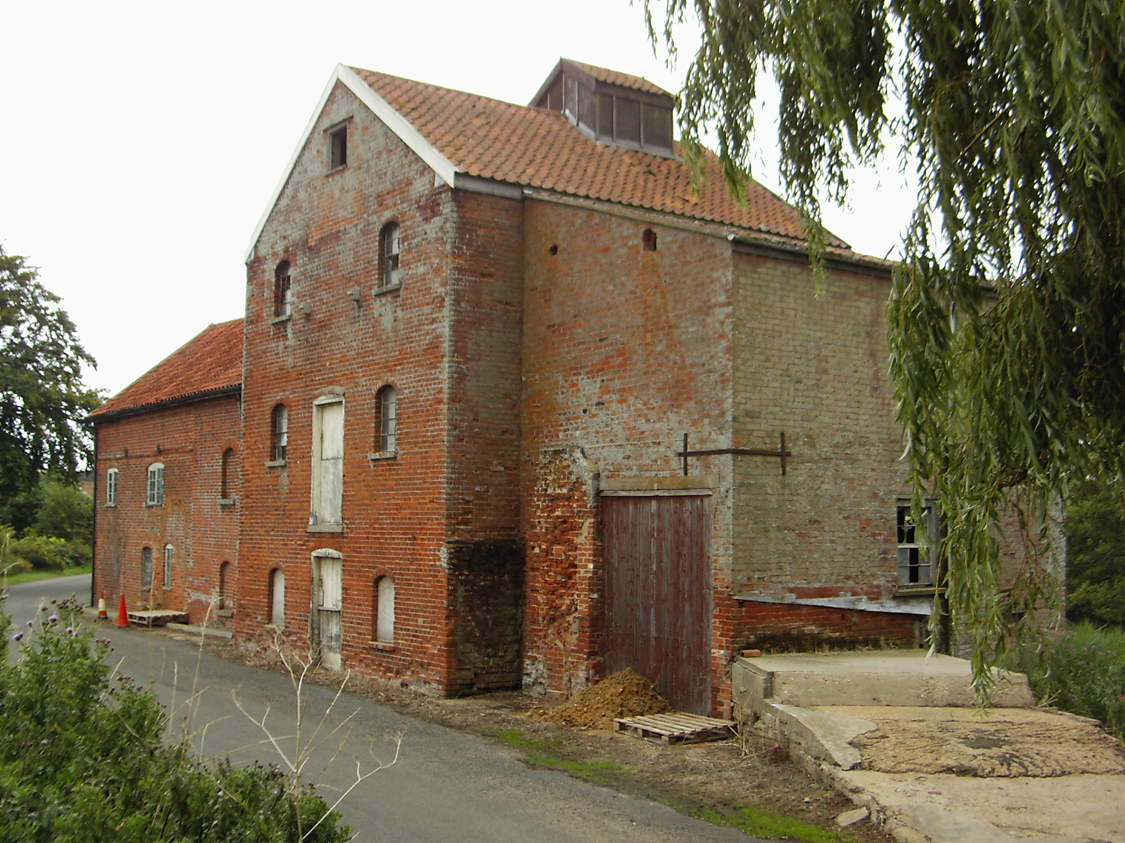 This image shows the building in it's previous unrestored state.