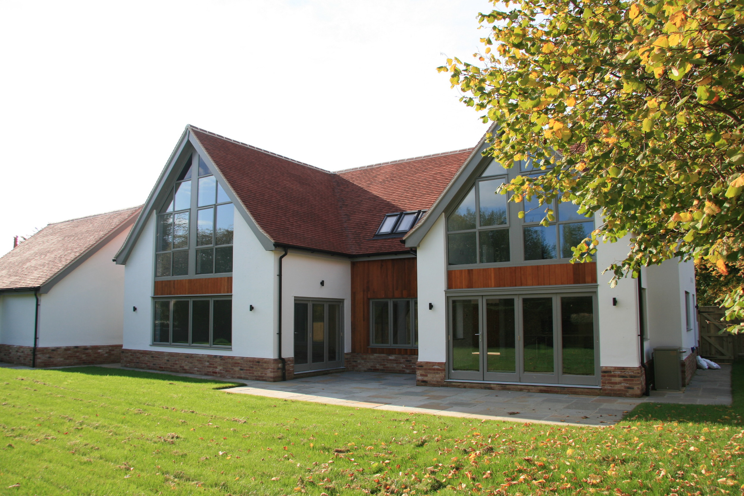 The large amount of apex glazing to the south allows lots of natural daylight into the property.