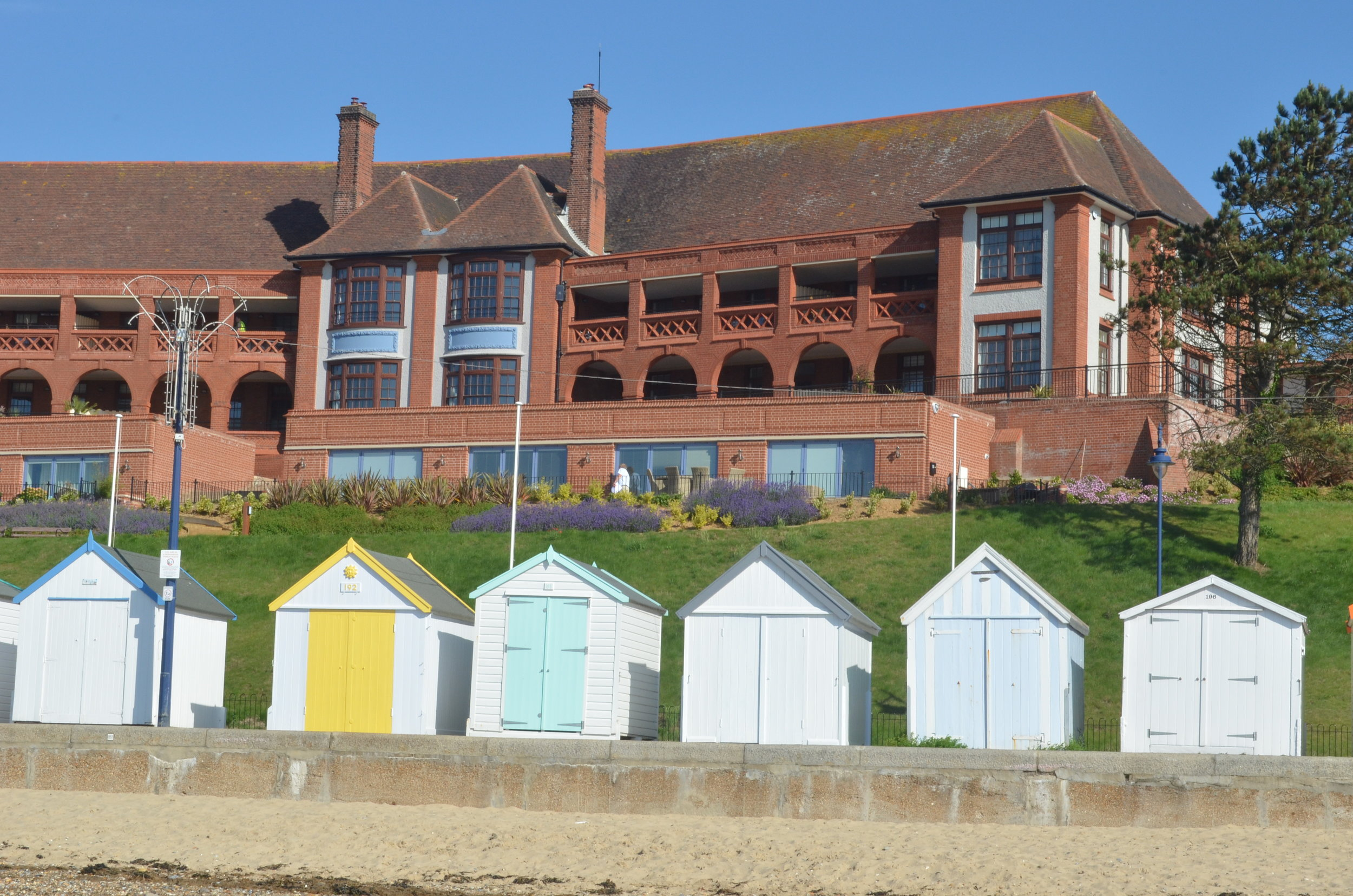 The apartments in The Bartlet have been designed so that many of them will take advantage of the stunning sea views.When it historically formed a convalescent home the sea air and views, coupled with warm weather,were believed to have healing properties - particularly for the treatment of tuberculosis.