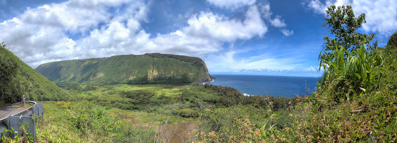 waipio valley panorama.jpg