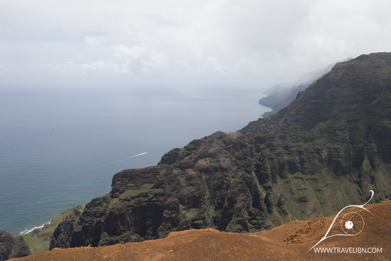 nuaolo valley ocean view.jpg