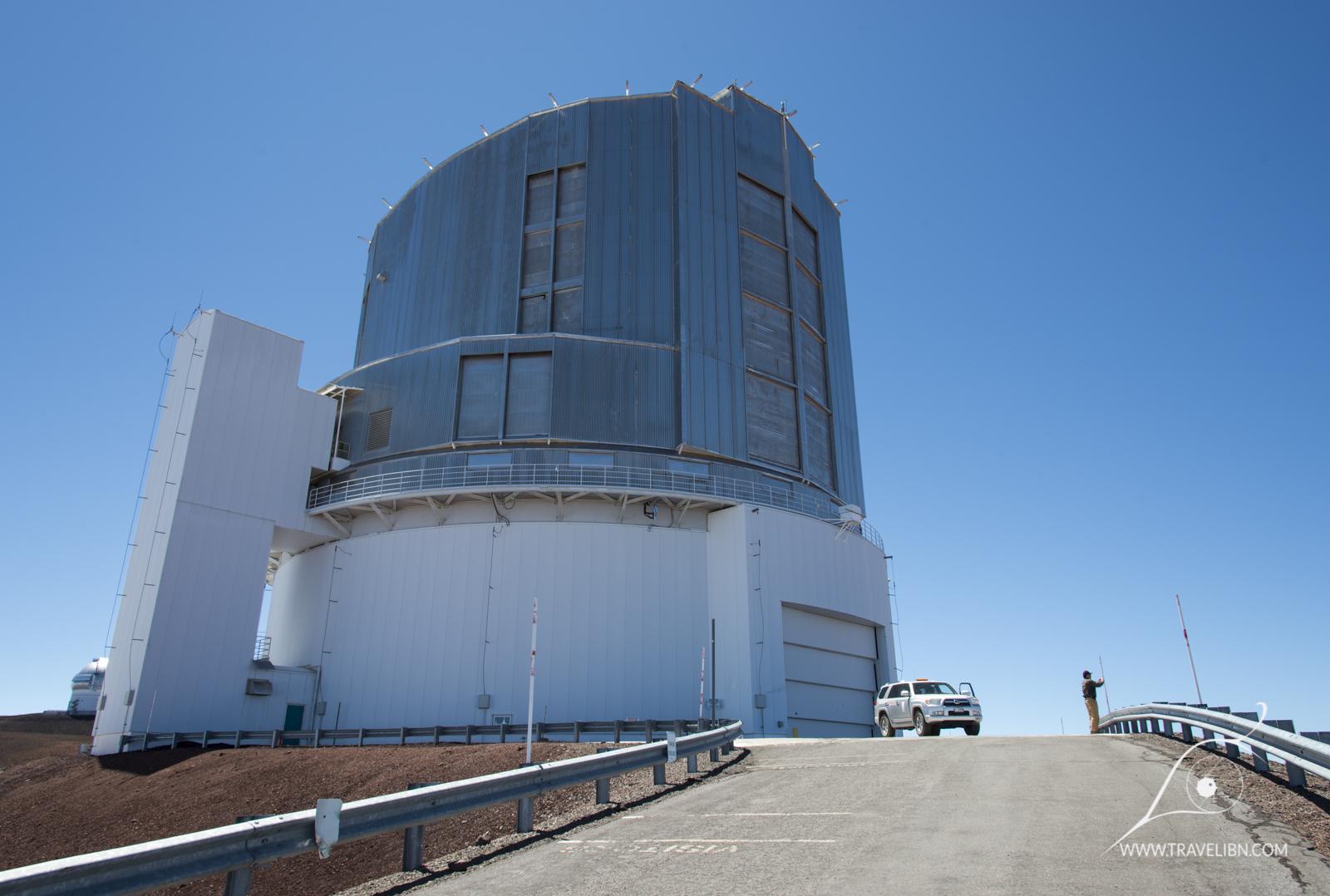subaru telescope outside
