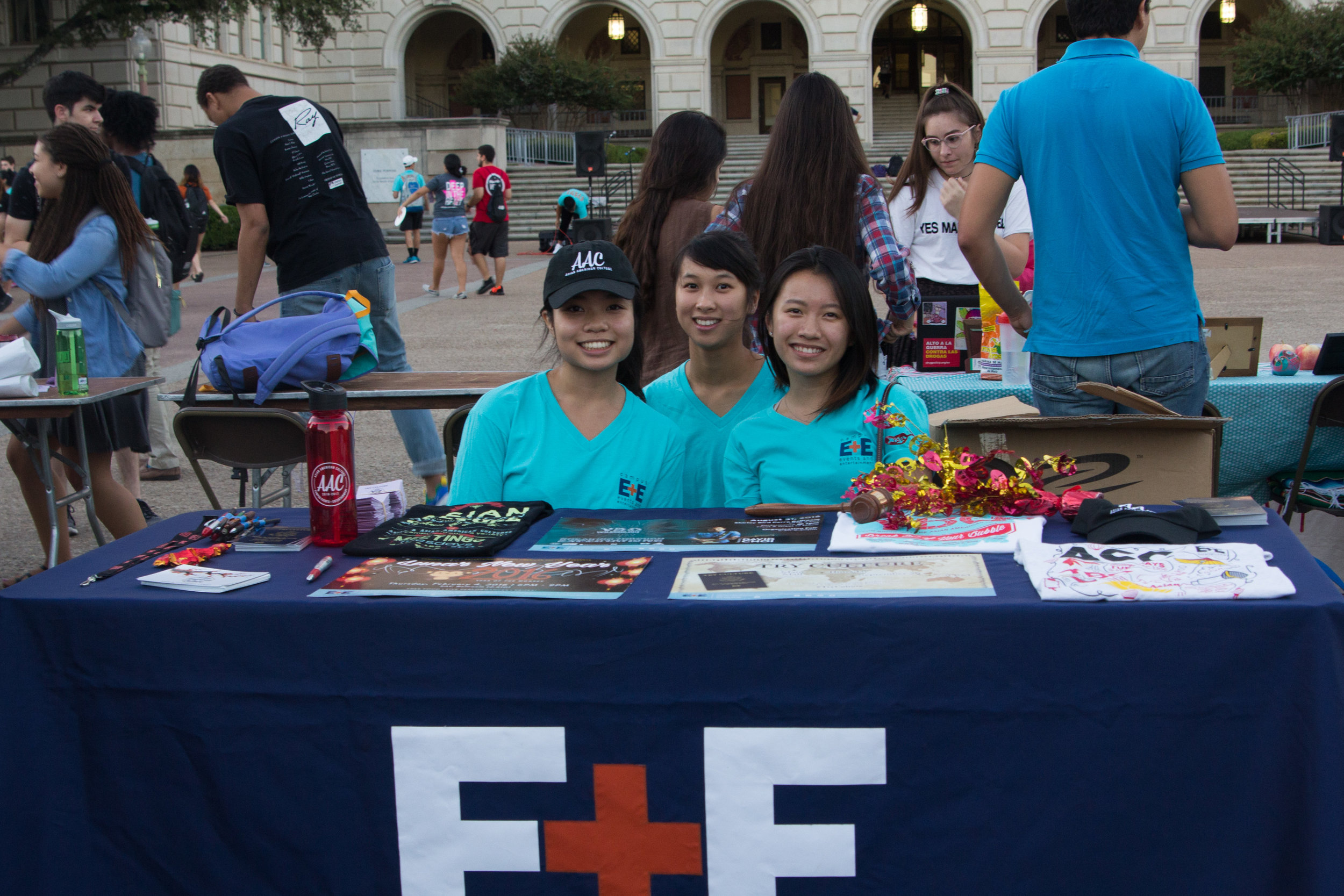 Campus E + E members Tam Do, Jasmine Yang and Jenna Ma welcomed students to the event.