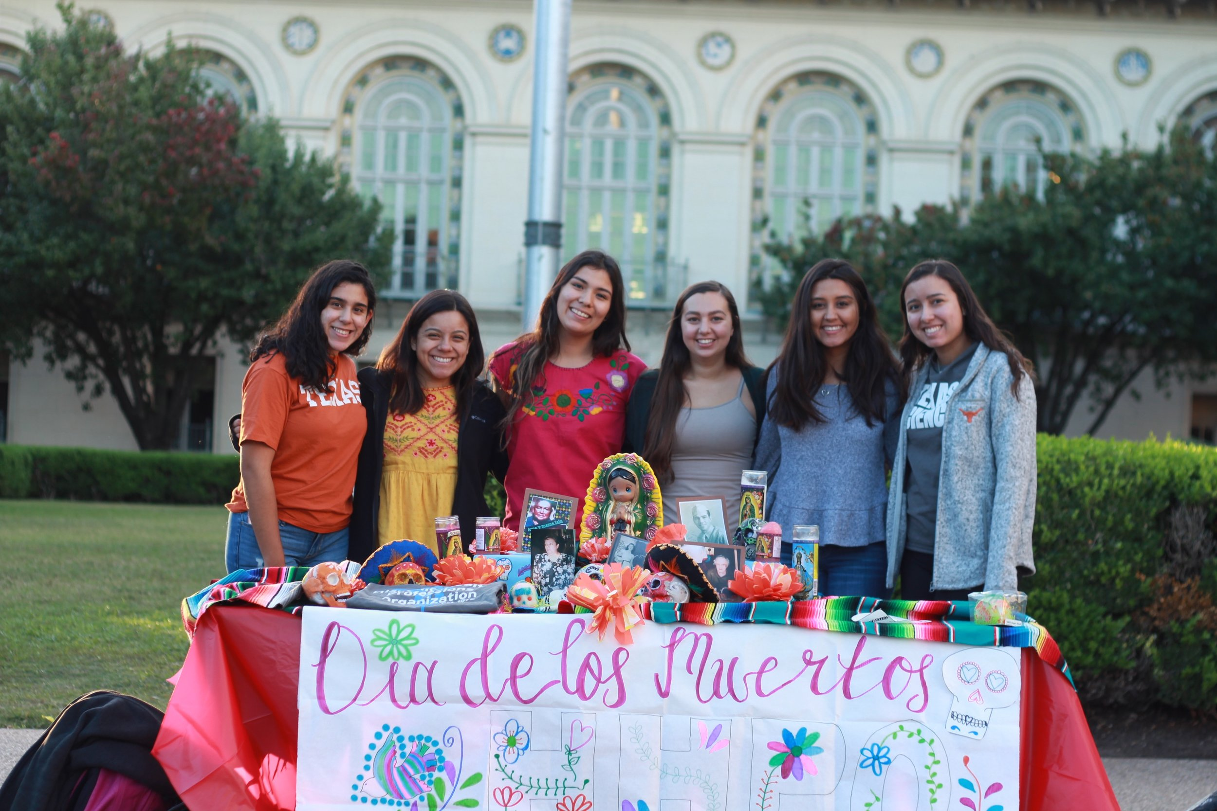 Vianey Jauregui, Alicia, Andrea Martinez, Alyssa Victoria Garza, Alejandra Lozano, and Emily Cardona, are members of a Latinx pre-health organization. They believe it is important to represent minorities in the medical field, and overcome cultural barriers in order to serve their community.
