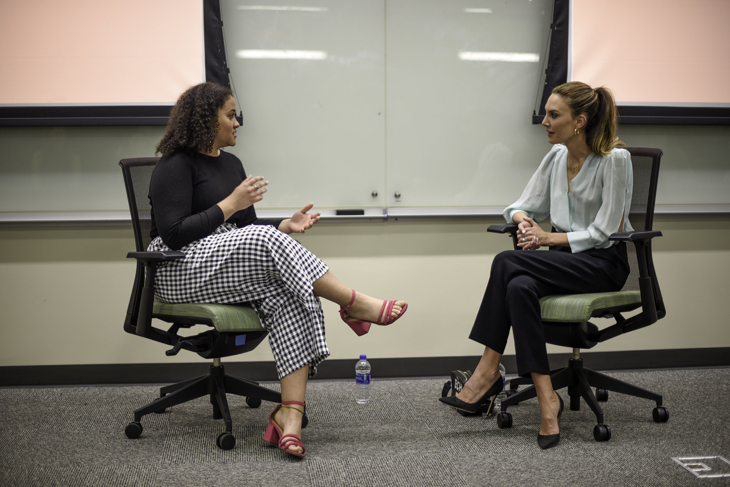 Jacqui Briddell , ORANGE Magazine's managing editor, interviews UT alumna Elizabeth Chambers Hammer at the Belo Center for New Media.
