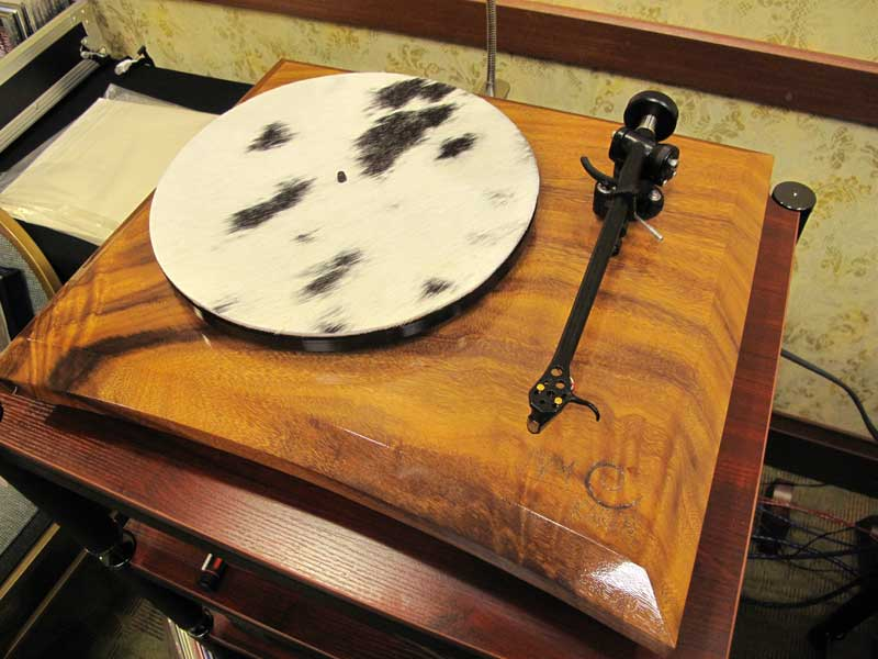 A second turntable the JWM Acoustics KAREN 6
