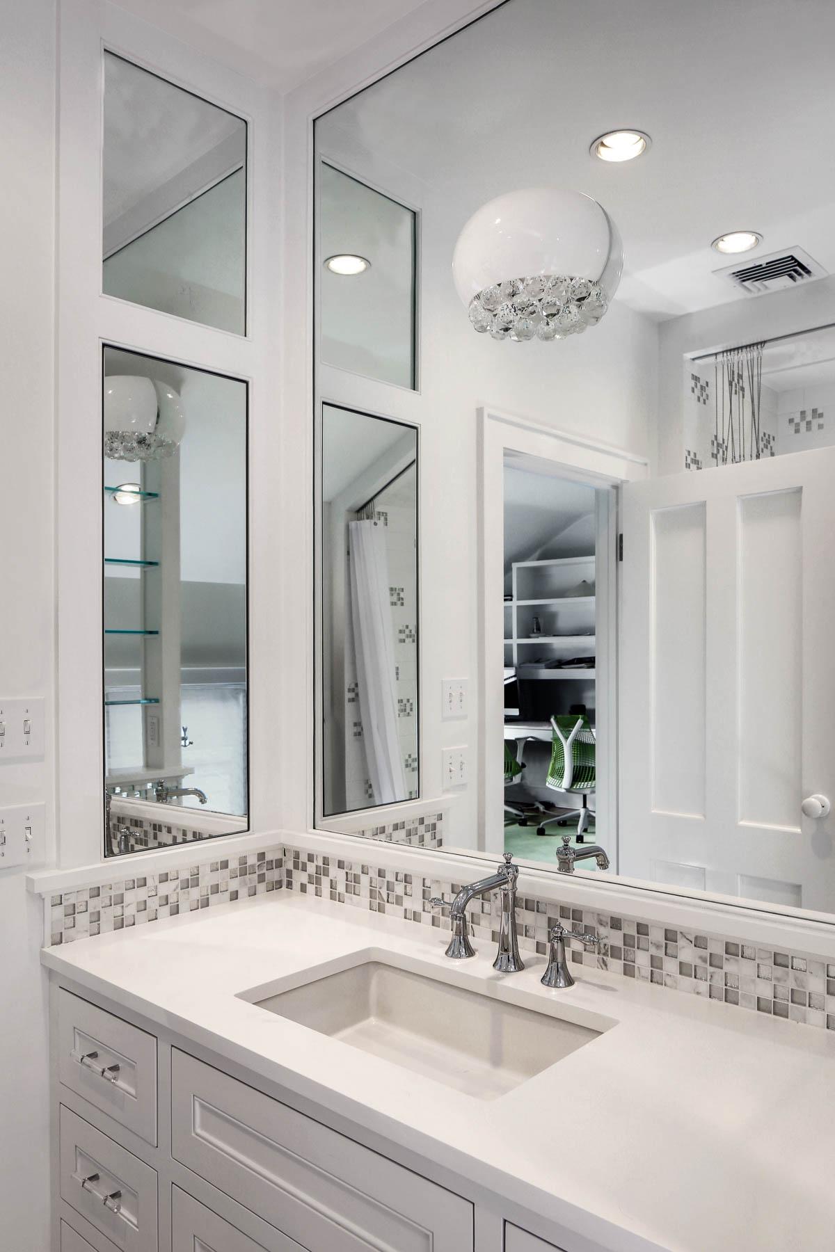 7-Bath 1 Vanity.jpg