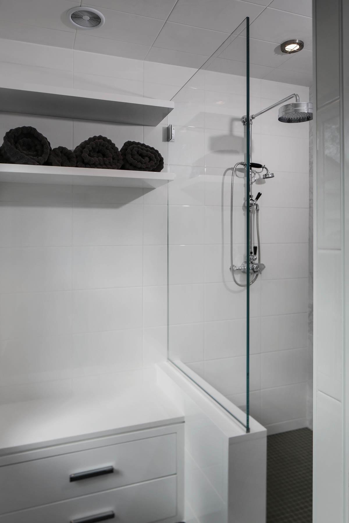 9-Mudroom Shower.jpg