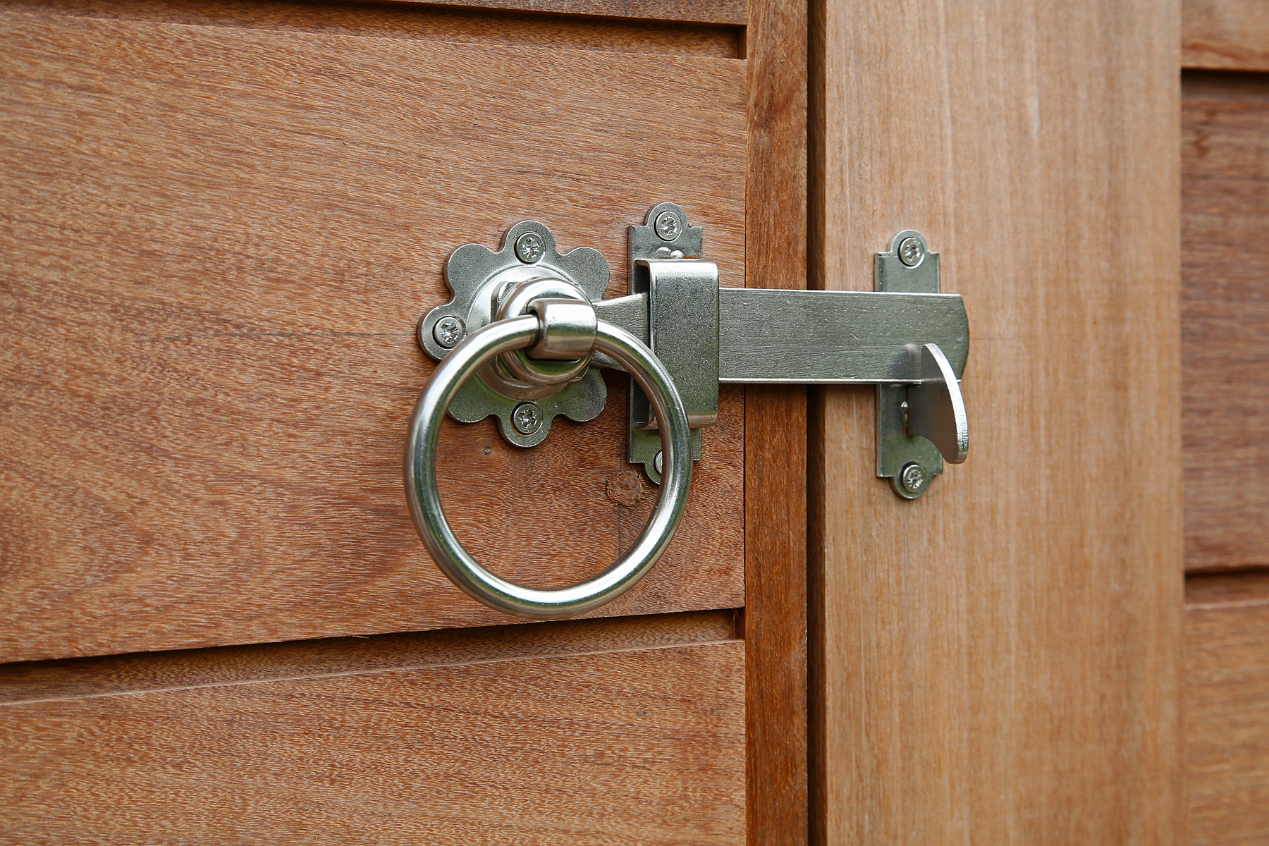5-Door Latch.jpg