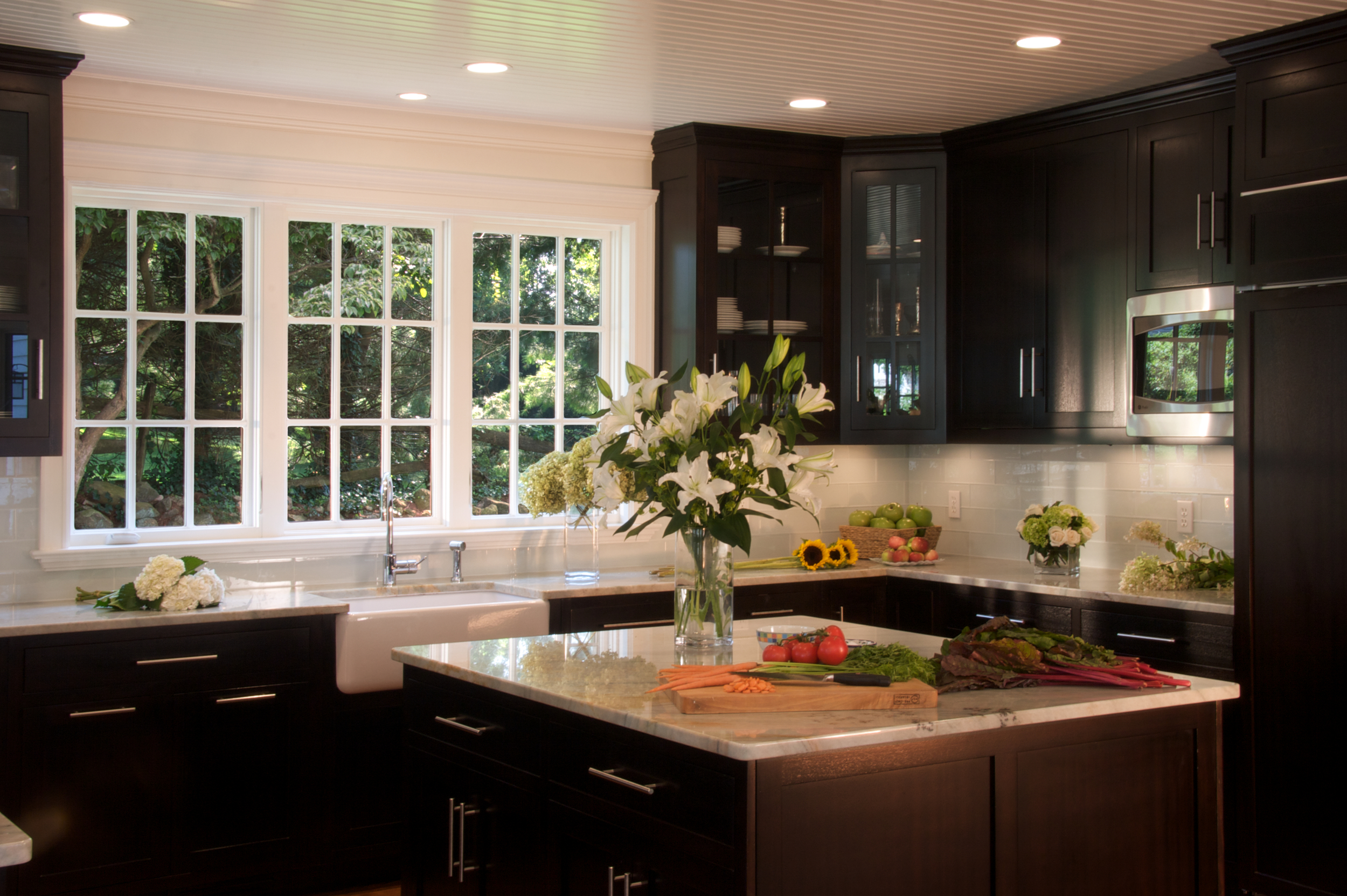 8-kitchen-tight_v3_dm-f.jpg