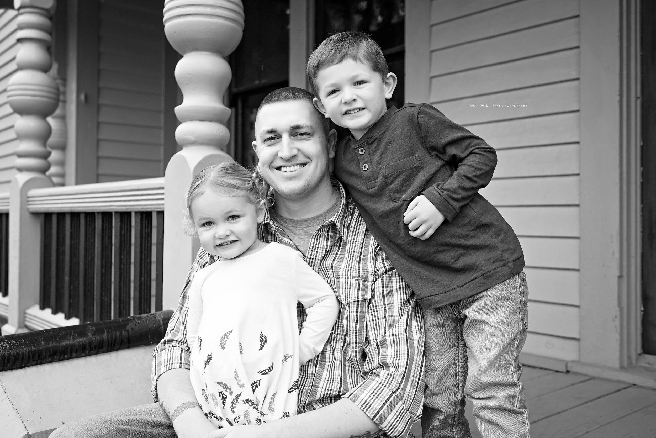 Bremerton-Family-Photographer-Following-Seas-Photography-0232 copyBW copy.jpg