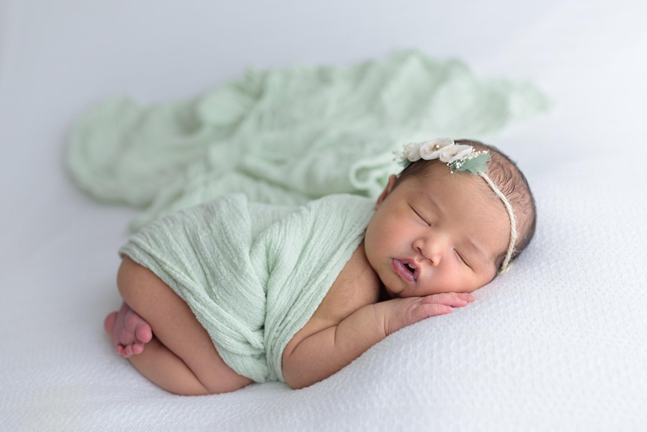 North-Charleston-Newborn-Photographer-Following-Seas-Photography-7499copy.jpg