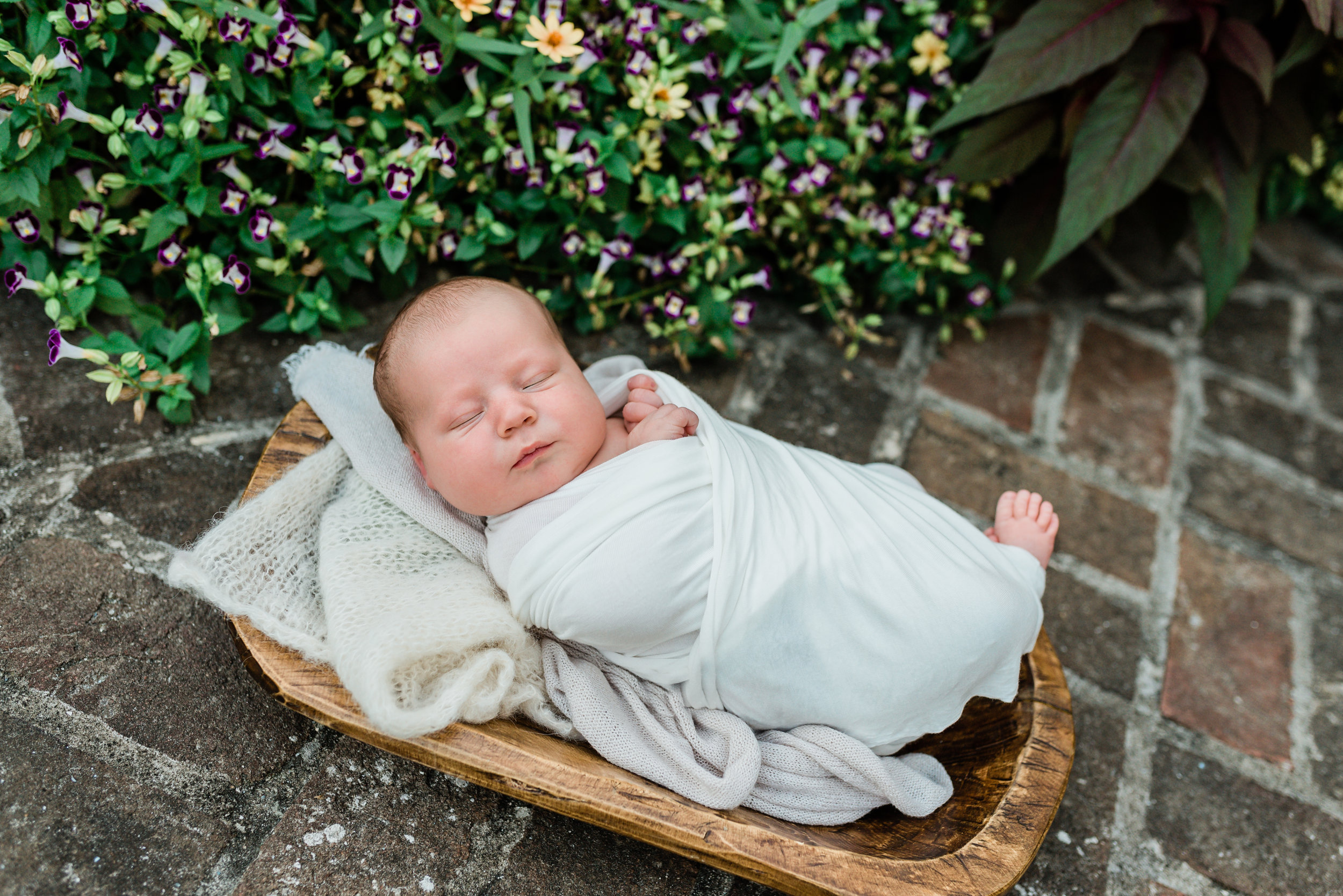 Charleston-Outdoor-Newborn-Photographer-Following-Seas-Photography-6192 copy.jpg