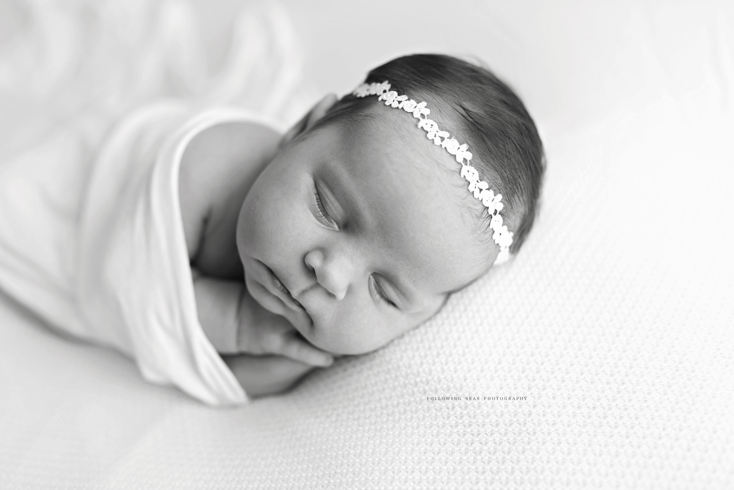 Charleston-Newborn-Photographer-Following-Seas-Photography-FSP_4732BW.jpg