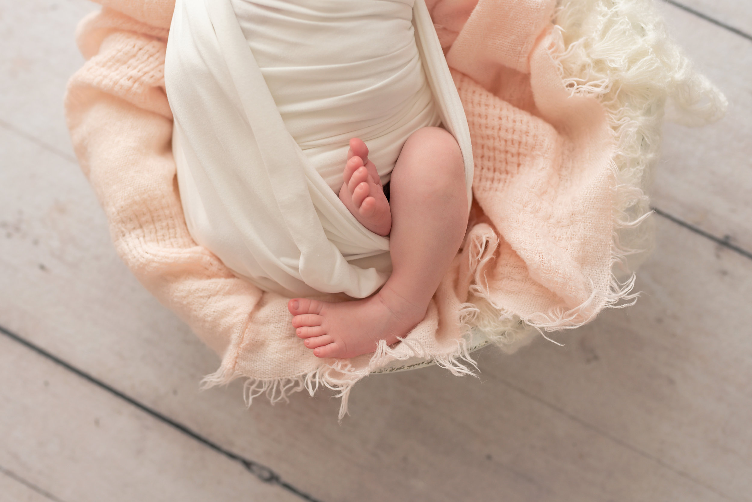 Charleston-Newborn-Photographer-Following-Seas-Photography-FSP_0810 copy.jpg