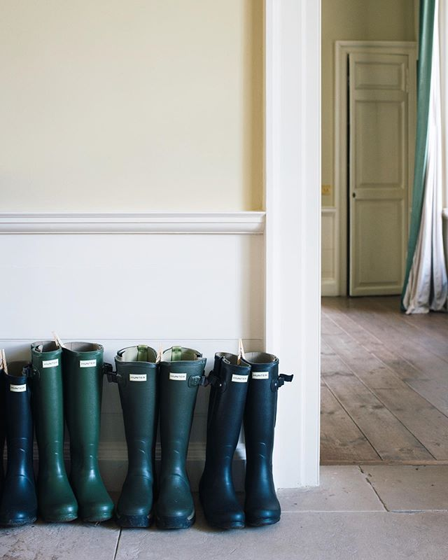 Our guests received a pair of @hunterboots for traipsing through the grassy fields and someone had the genius idea of pegging each pair together, with everyone's names written on the pegs, so that we could make sense of the mass of boots in the Auchinleck entrance hall. #dispatchtoafriend #dispatchinscotland