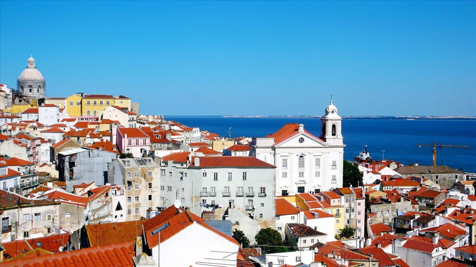 Alfama-Lissabon.jpg