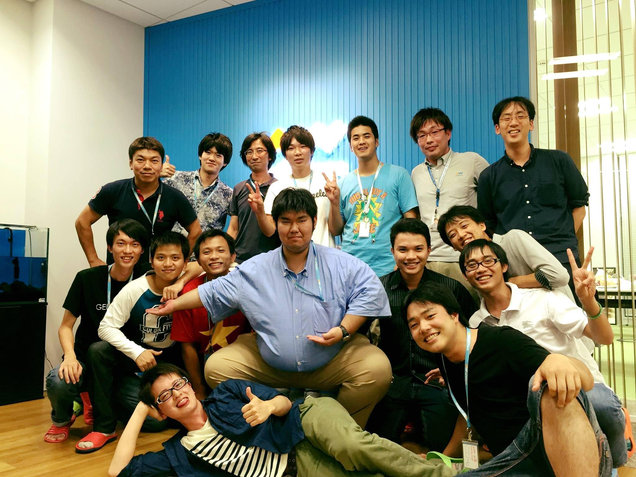 ベトナムと日本の学生がインターンシップで夏にatWareで働きました。