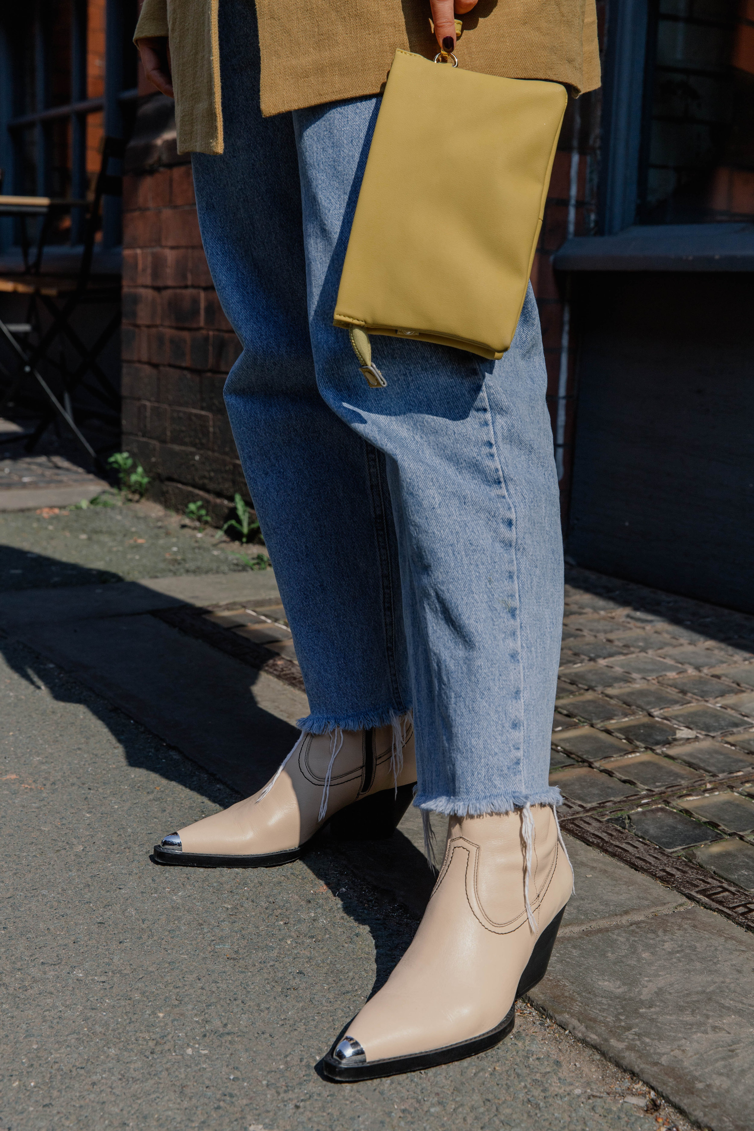 CROP TOP AND VINTAGE JEANS, WITH A BLAZER AND SS19 COWBOYS IN NORTHERN QUARTER, MANCHESTER 7