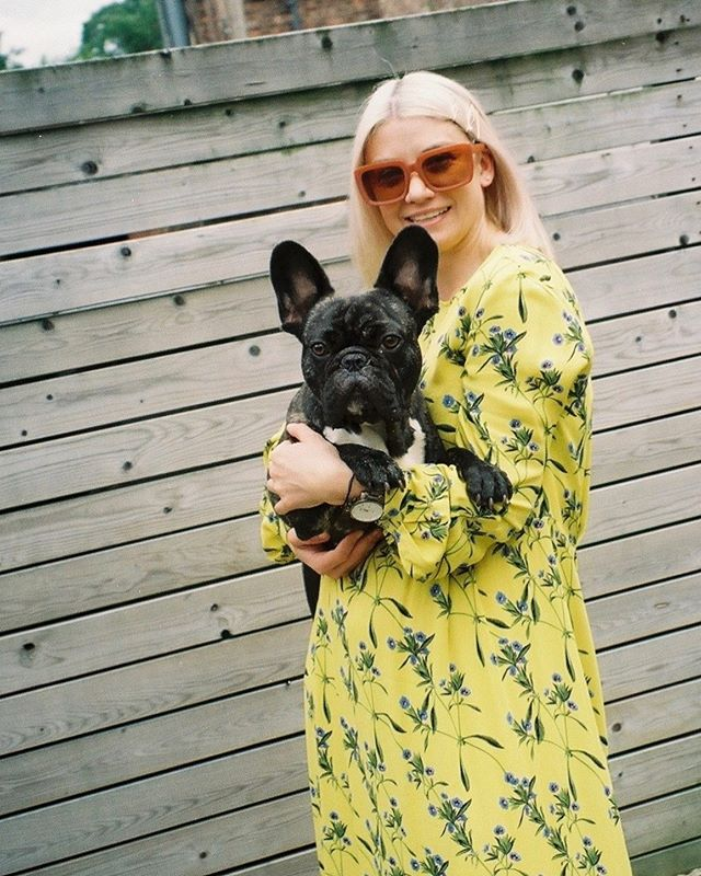 Caught on film 🎞 Bernard enjoying cuddles  NEW BLOG POST  A preloved & vintage shopping post. I've put together a shopping post of items I've found on preloved websites such as @vestiaireco @retold_vintage , @lesfleurstudio & @ebay_uk . I'm loving searching for a bargains on designer items so I thought I'd share some of the finds on my blog. If you know of any other online vintage or preloved stores, let me know below 🔎 Happy Sunday Funday! . . . . . #prelovedclothes #fbloggersuk #manchesterblogger #northernmagpie #sustainablefashion #styleblogger  #discoverunder10k #vintageshopping #stylediary #londonblogger #manchesterfashion #ootdpost  #outfitshot #ootdinspo #ootdbloggers #streetstyleblogger #whowhatwear #streetstyleinspo #whatiamwearing #trendhunter #outfitgrid #fashiondiaries #wearthisnext #fblogs #fbloggerstyle #streetstyleluxe #stylesubmit #ootdlovers