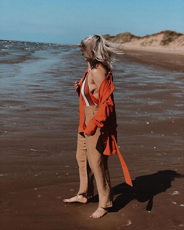 Beach daze are the best 🌞@scotch_official #scotchonme #scotchambassador #scotchandsoda (Gifted) . . . . . #fbloggersuk #manchesterblogger #northernmagpie #bloggerstyle #styleblogger  #discoverunder10k #dailyootd #anotheroutfitpost #stylediary #londonblogger #manchesterfashion #fbloggers #ootdpost #outfitshot #mallzeeme #mylookoftheday #ootdinspo #ootdbloggers #whowhatwear #mystylediary #whatiamwearing #outfitgrid #fashiondiaries #fbloggerstyle #stylesubmit #ootdlovers