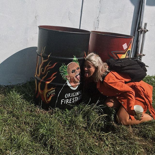 Original Fire-starter 🔥👅🔥 my @glastofest pics are now up on the blog... link in bio #festivalstyle #glastonbury2019 . . . . . #fblogger #fbloggersuk #manchesterblogger #northernmagpie #bloggerstyle #styleblogger  #discoverunder10k #dailyootd #anotheroutfitpost #stylediary #londonblogger #manchesterfashion #fbloggers #ootdpost #discoverunder20k  #ukblogger #outfitshot #mallzeeme #mylookoftheday #ootdinspo #ootdbloggers #creativegirlgang #whowhatwear #outfitgrid #fbloggerstyle #stylesubmit #ootdlovers