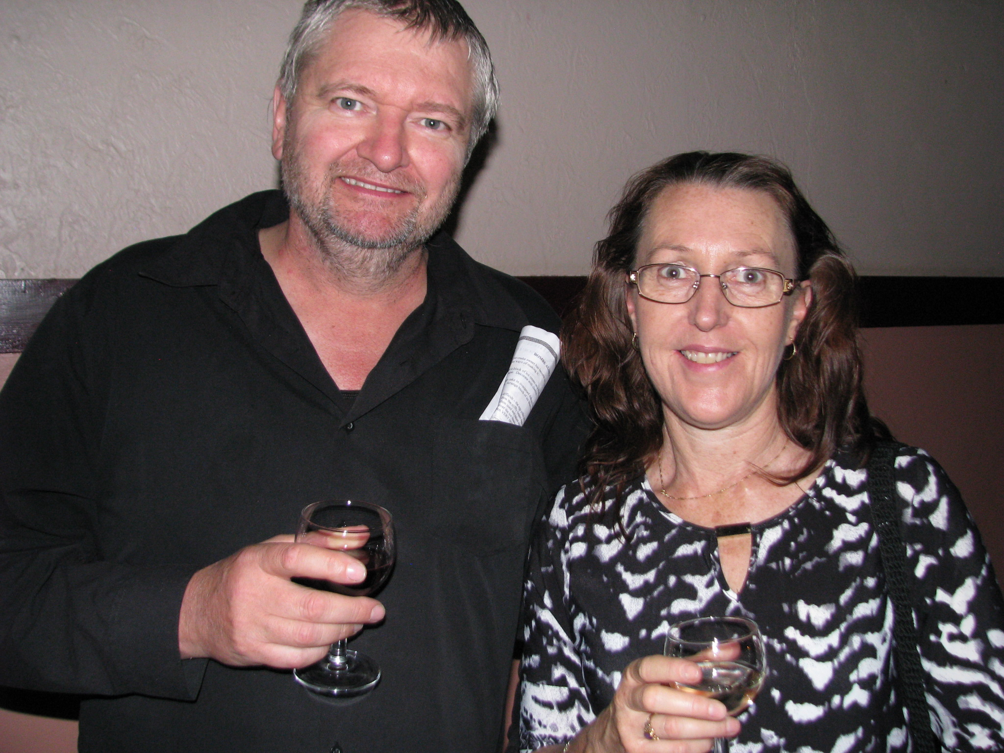 John and Sue Williams enjoy the wine provided by sponsor Steins Wines.JPG