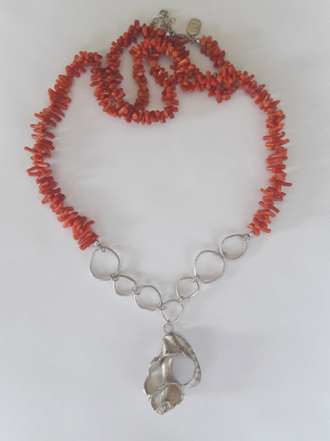 13 Winding seashell necklace with coral.jpg
